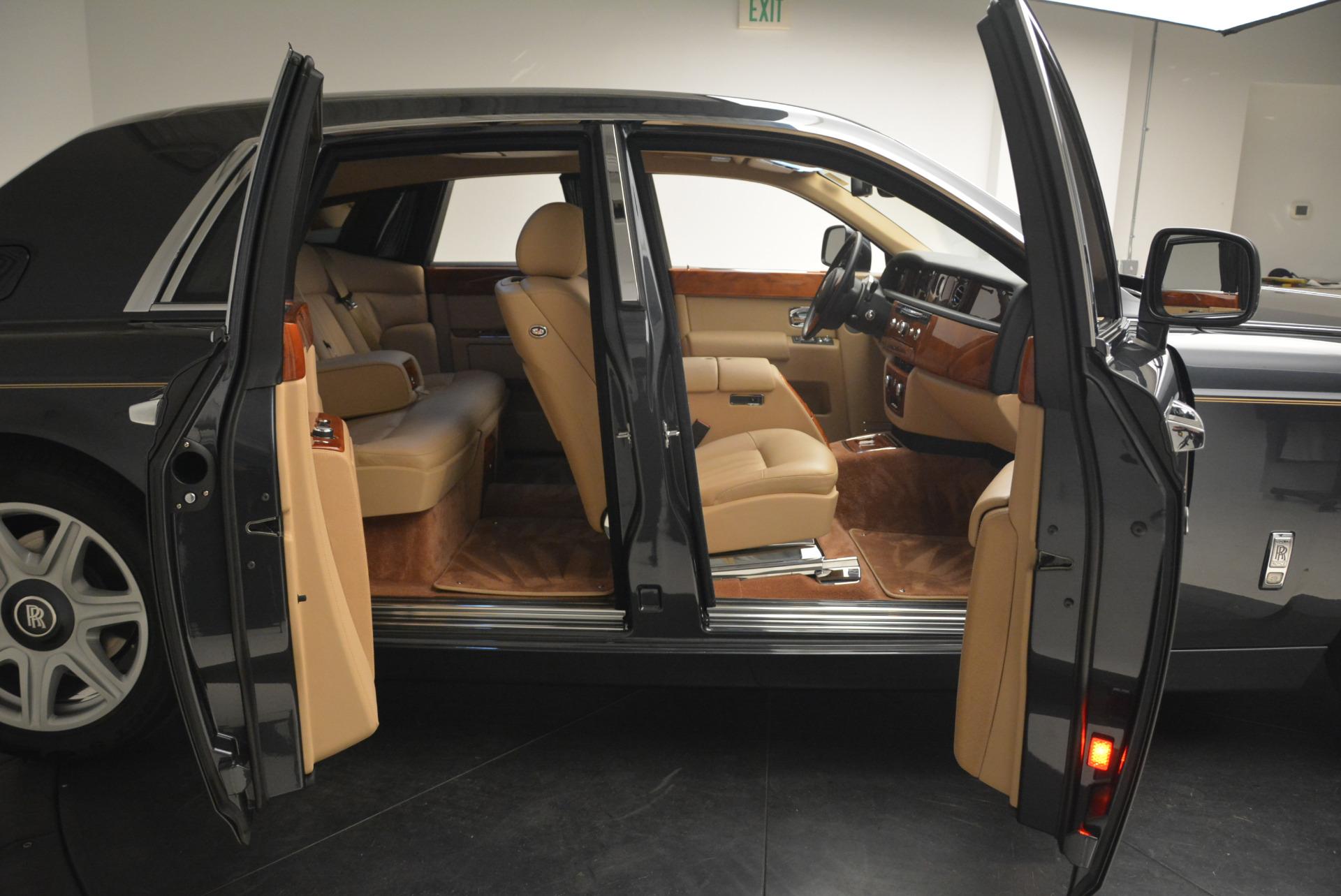 Used 2013 Rolls-Royce Phantom  For Sale In Westport, CT 2208_p11