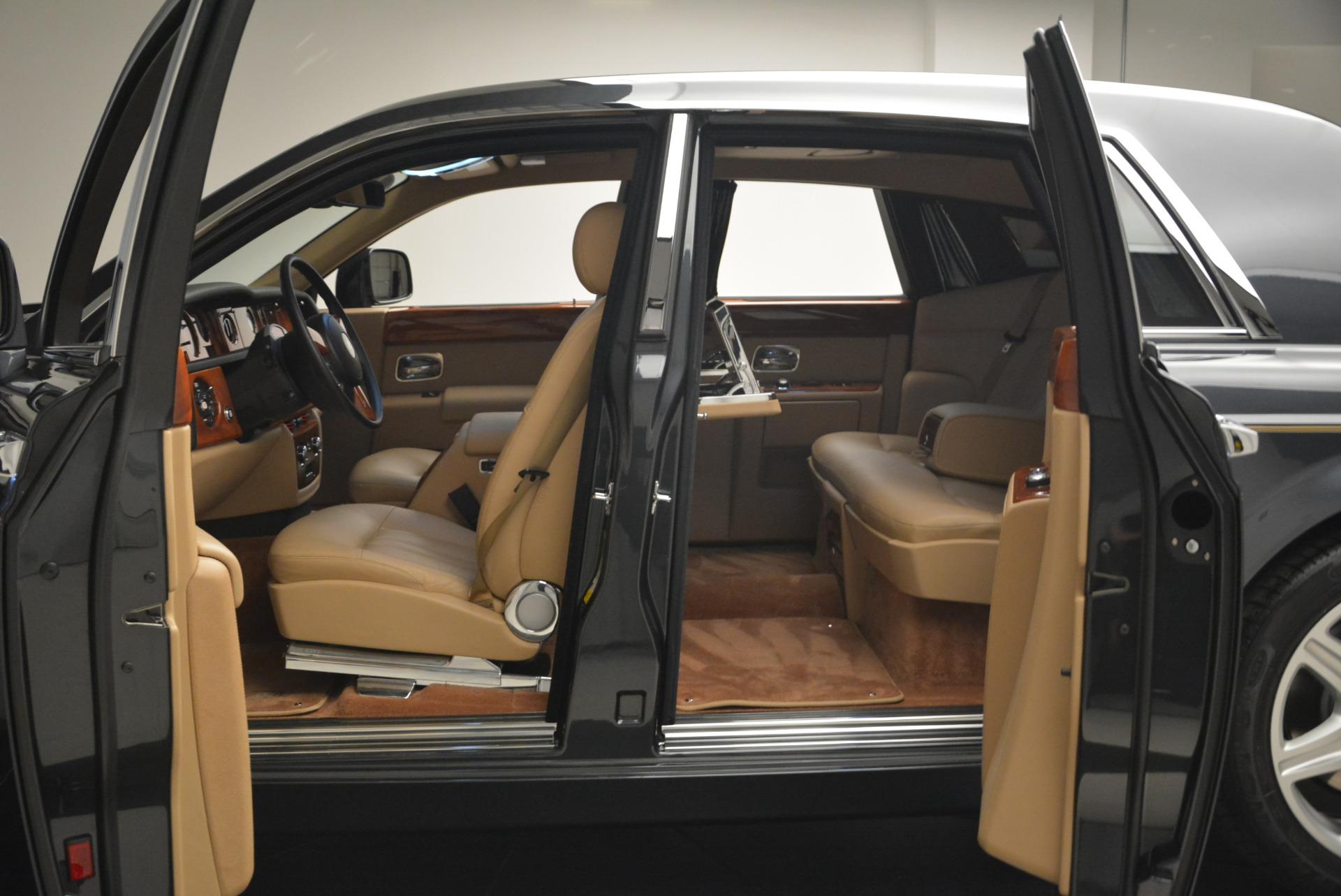 Used 2013 Rolls-Royce Phantom  For Sale In Westport, CT 2208_p12