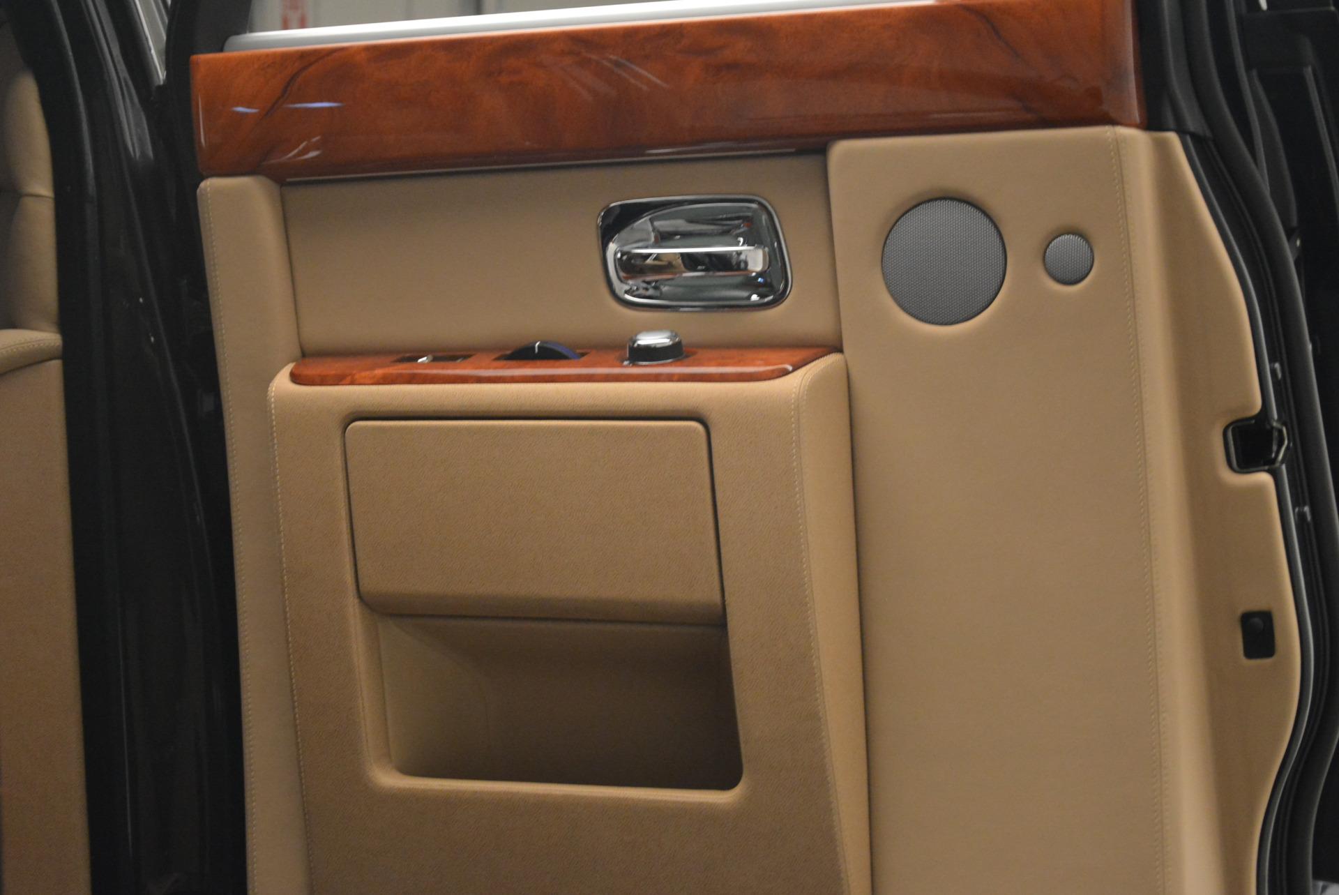 Used 2013 Rolls-Royce Phantom  For Sale In Westport, CT 2208_p14