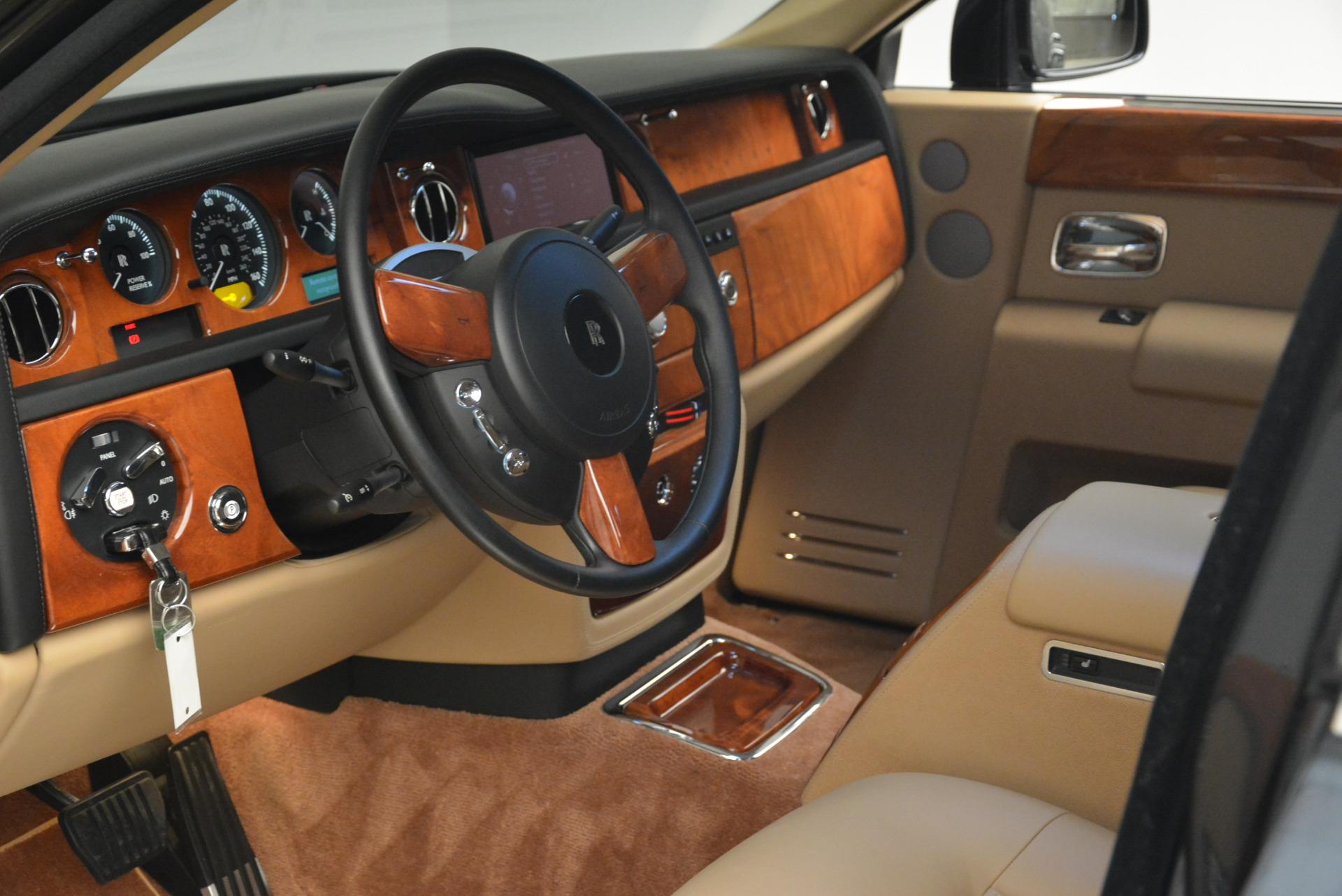 Used 2013 Rolls-Royce Phantom  For Sale In Westport, CT 2208_p15