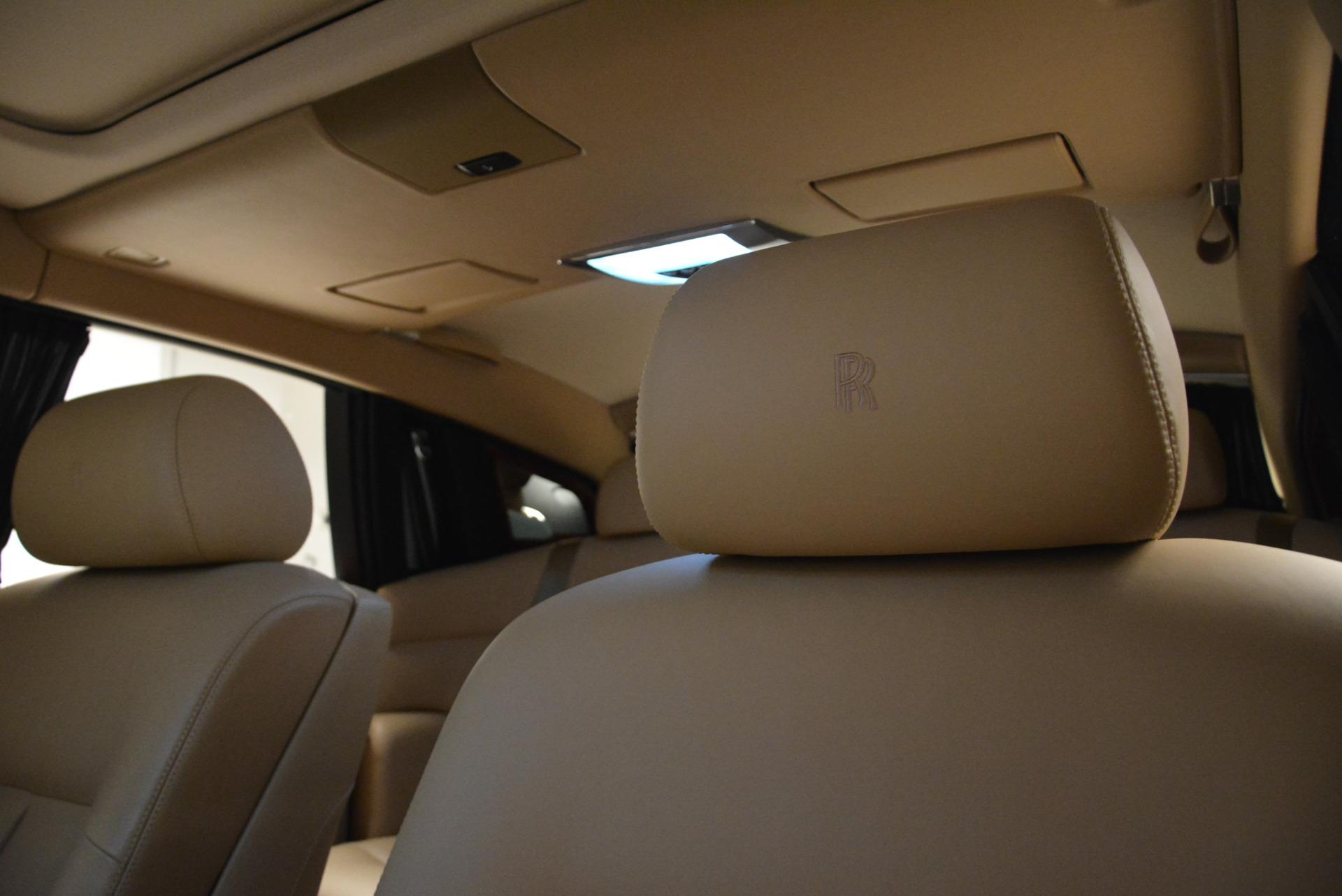 Used 2013 Rolls-Royce Phantom  For Sale In Westport, CT 2208_p17