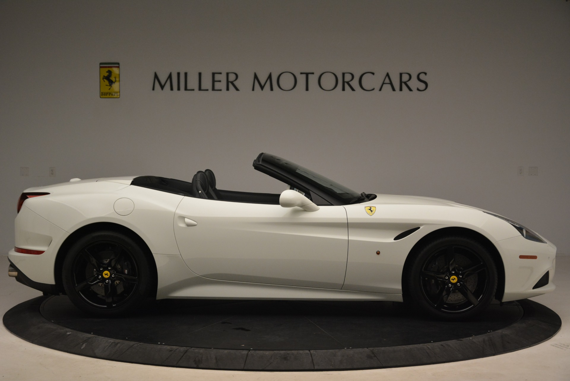 Used 2016 Ferrari California T  For Sale In Westport, CT 2213_p9
