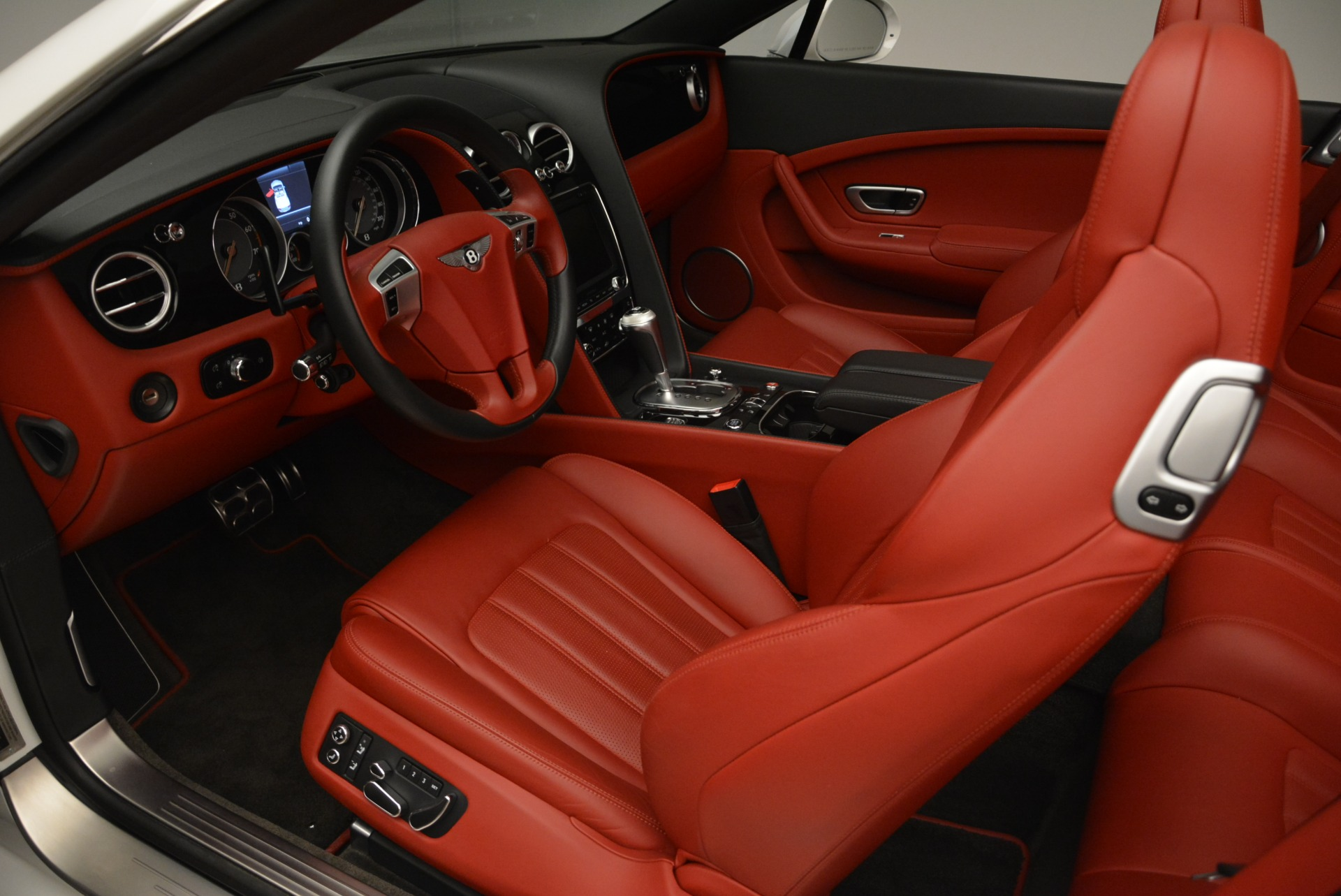 Used 2015 Bentley Continental GT V8 S For Sale In Westport, CT 2214_p20