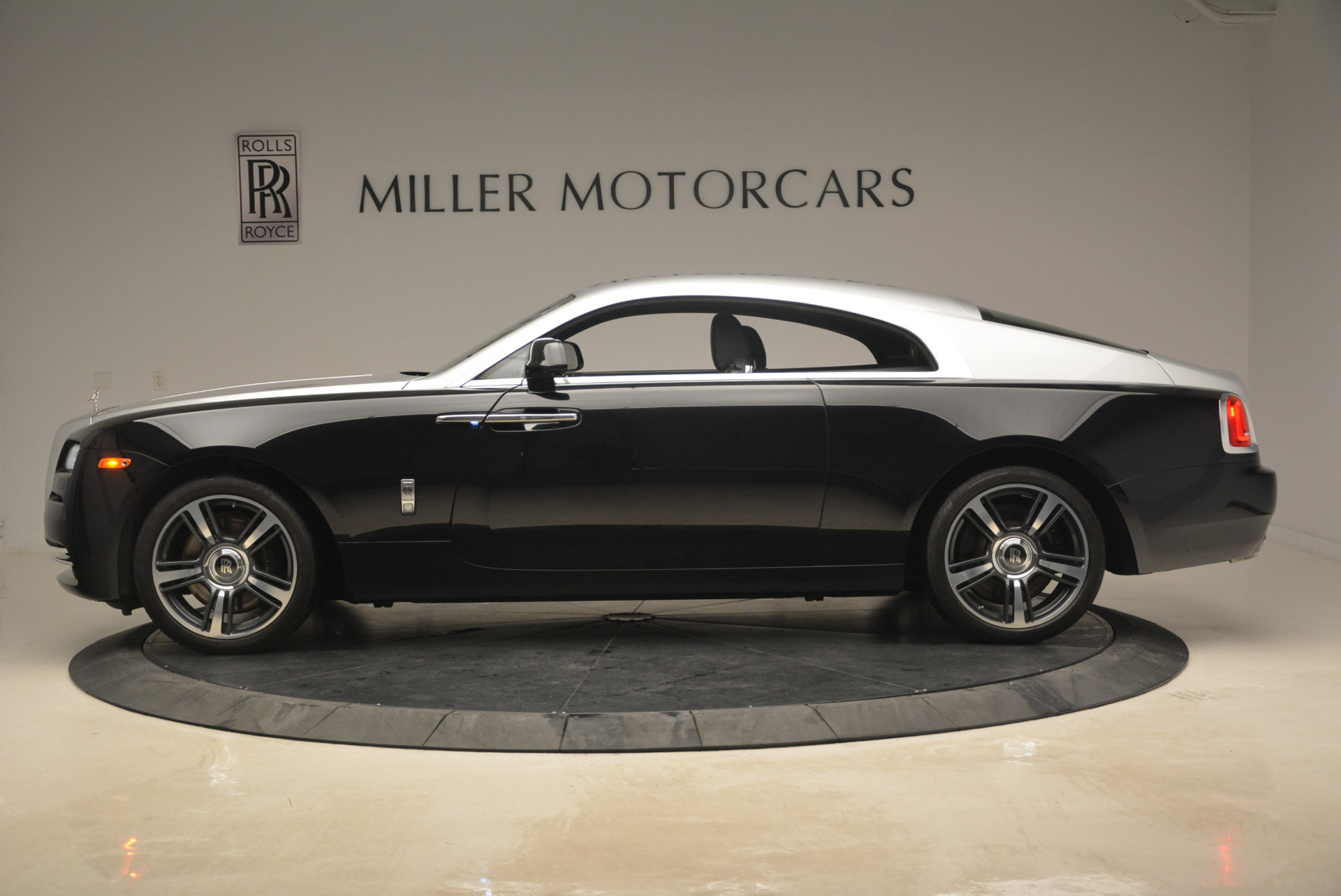 Used 2014 Rolls-Royce Wraith  For Sale In Westport, CT 2216_p3