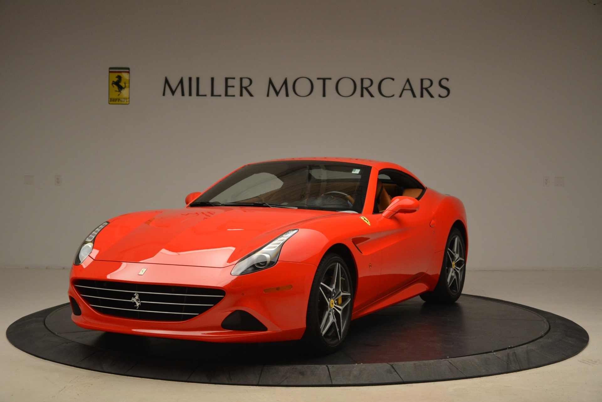 Used 2015 Ferrari California T  For Sale In Westport, CT 2221_p13