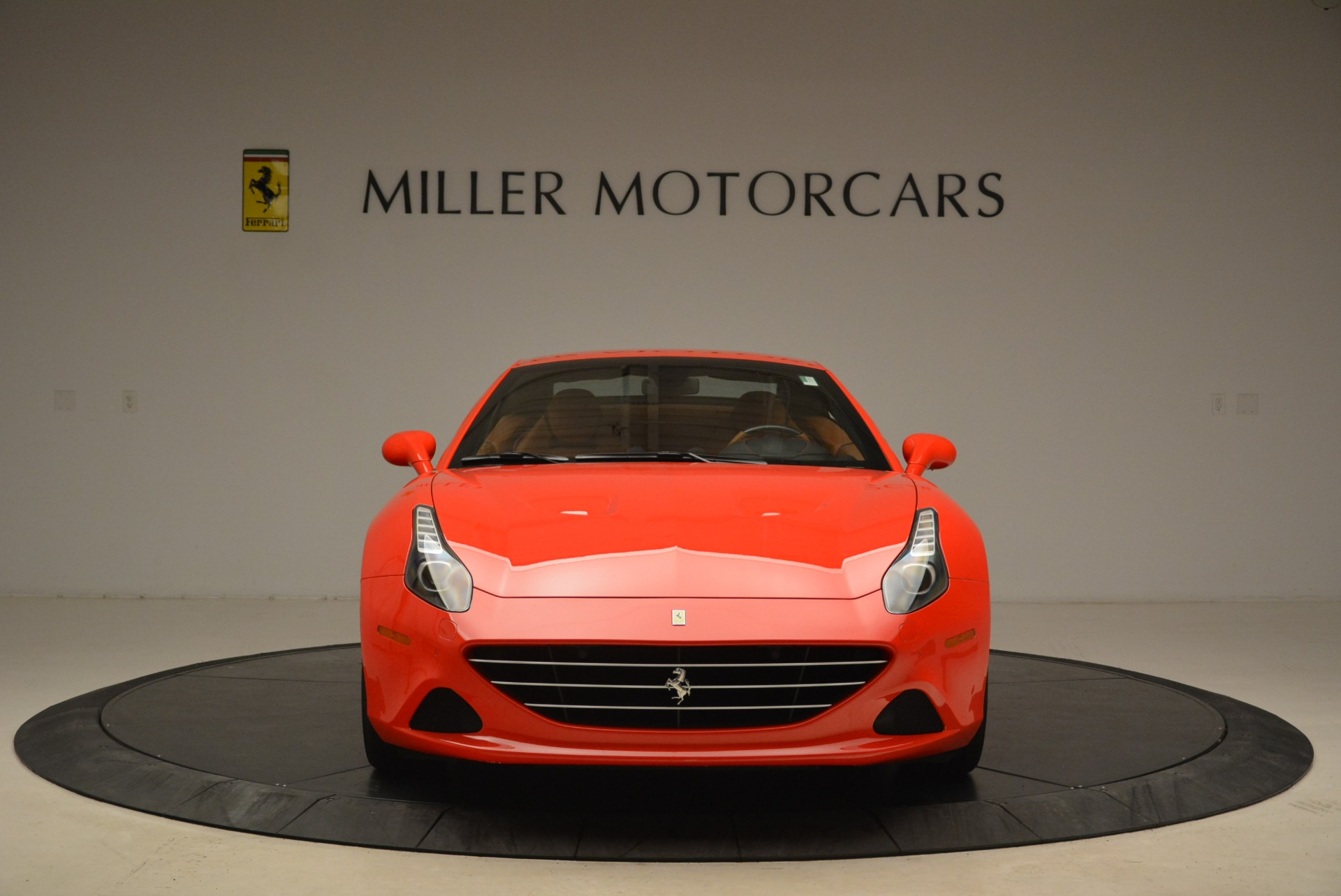 Used 2015 Ferrari California T  For Sale In Westport, CT 2221_p24