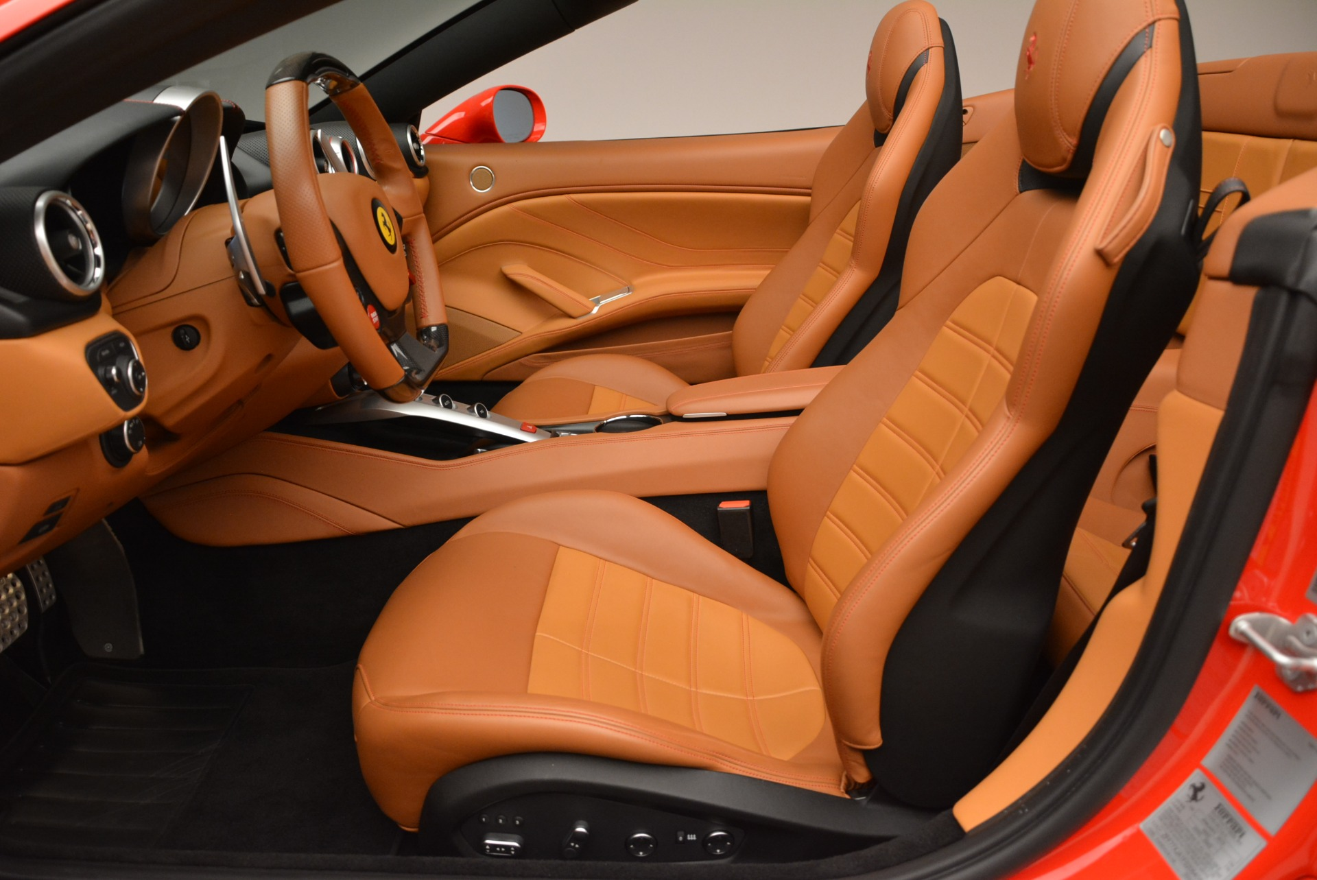 Used 2015 Ferrari California T  For Sale In Westport, CT 2221_p26