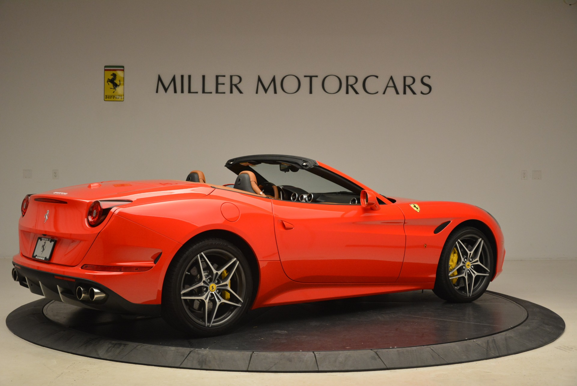 Used 2015 Ferrari California T  For Sale In Westport, CT 2221_p8