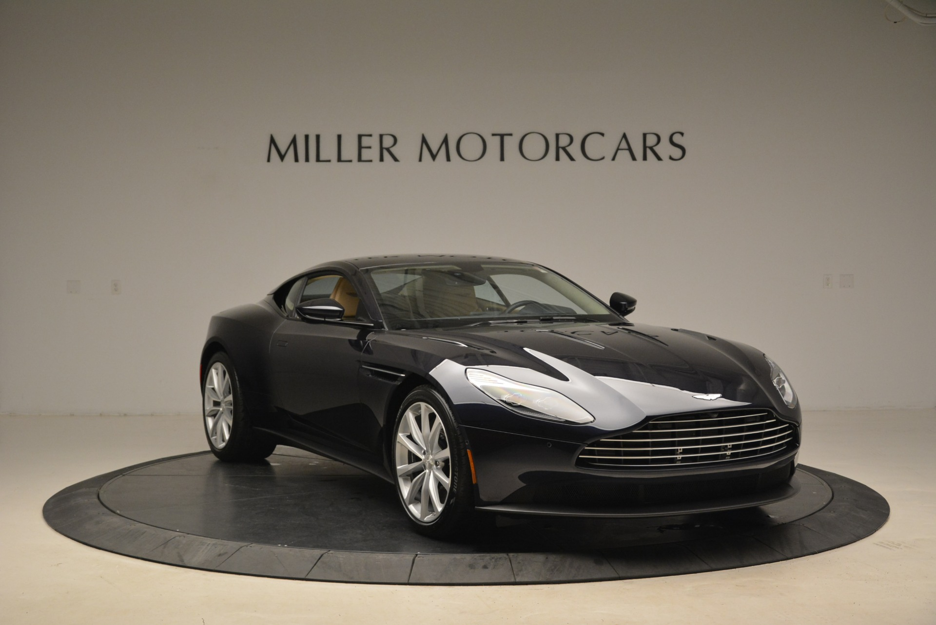 New 2018 Aston Martin DB11 V12 Coupe For Sale In Westport, CT 2227_p11