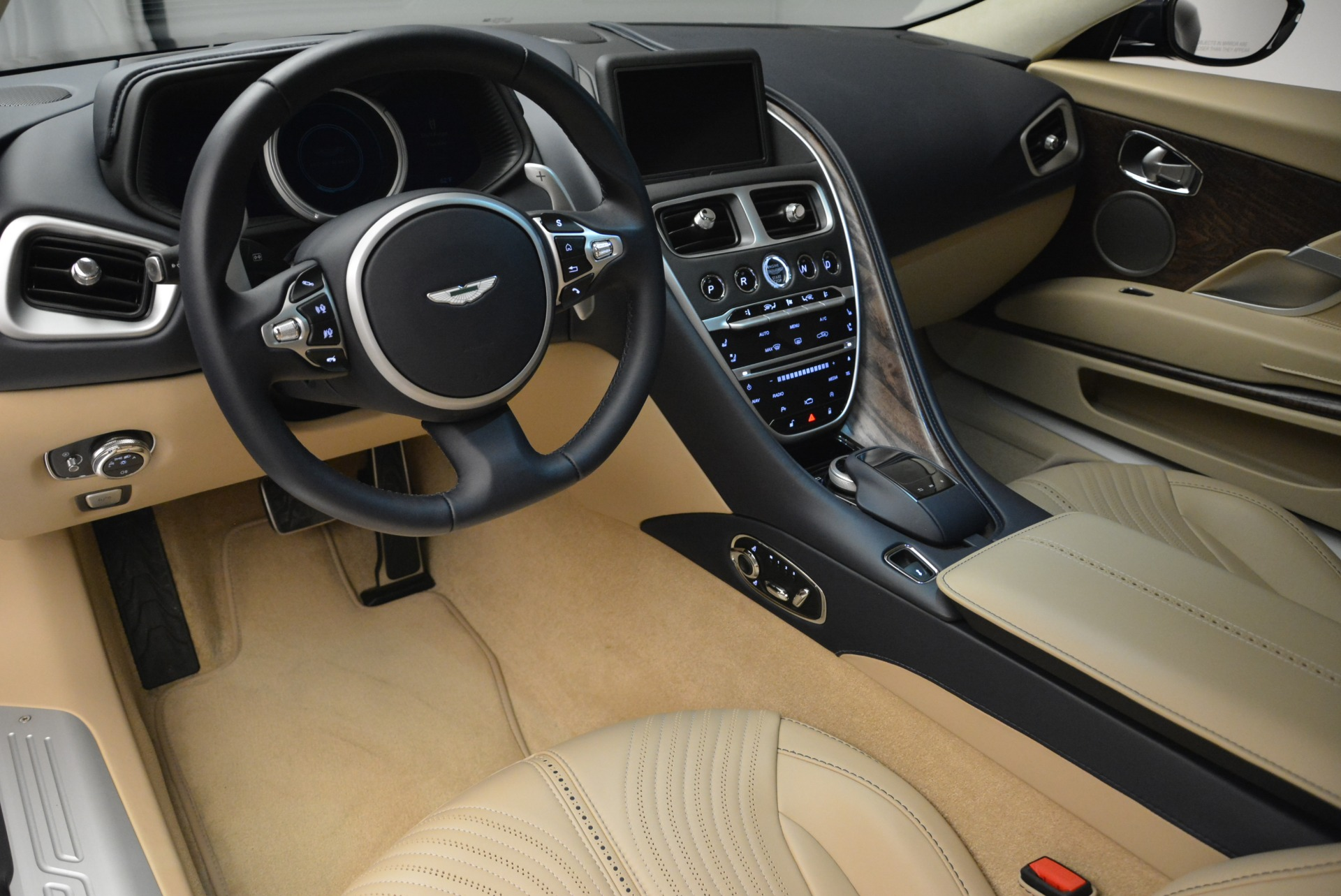 New 2018 Aston Martin DB11 V12 Coupe For Sale In Westport, CT 2227_p14