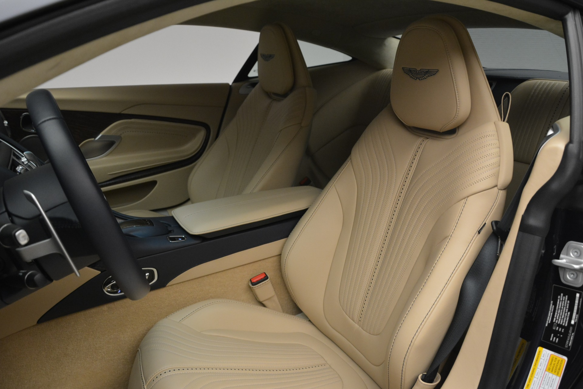 New 2018 Aston Martin DB11 V12 Coupe For Sale In Westport, CT 2227_p15