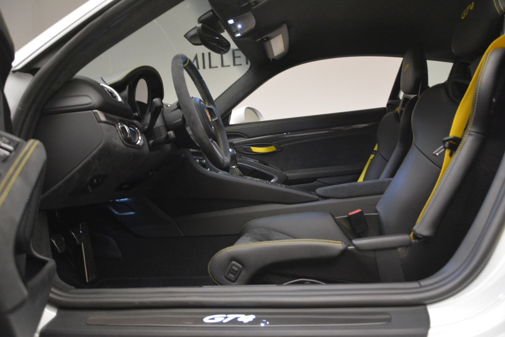Used 2016 Porsche Cayman GT4 For Sale In Westport, CT 2234_p16