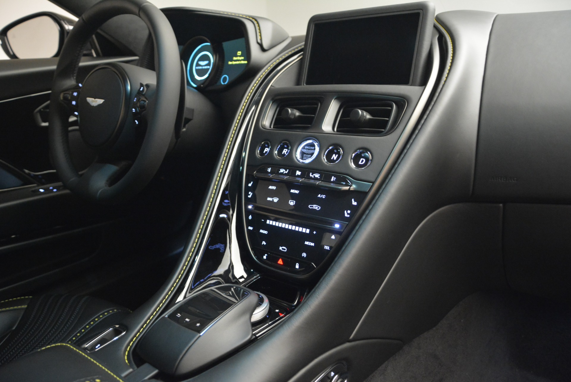 New 2018 Aston Martin DB11 V8 Coupe For Sale In Westport, CT 2237_p19