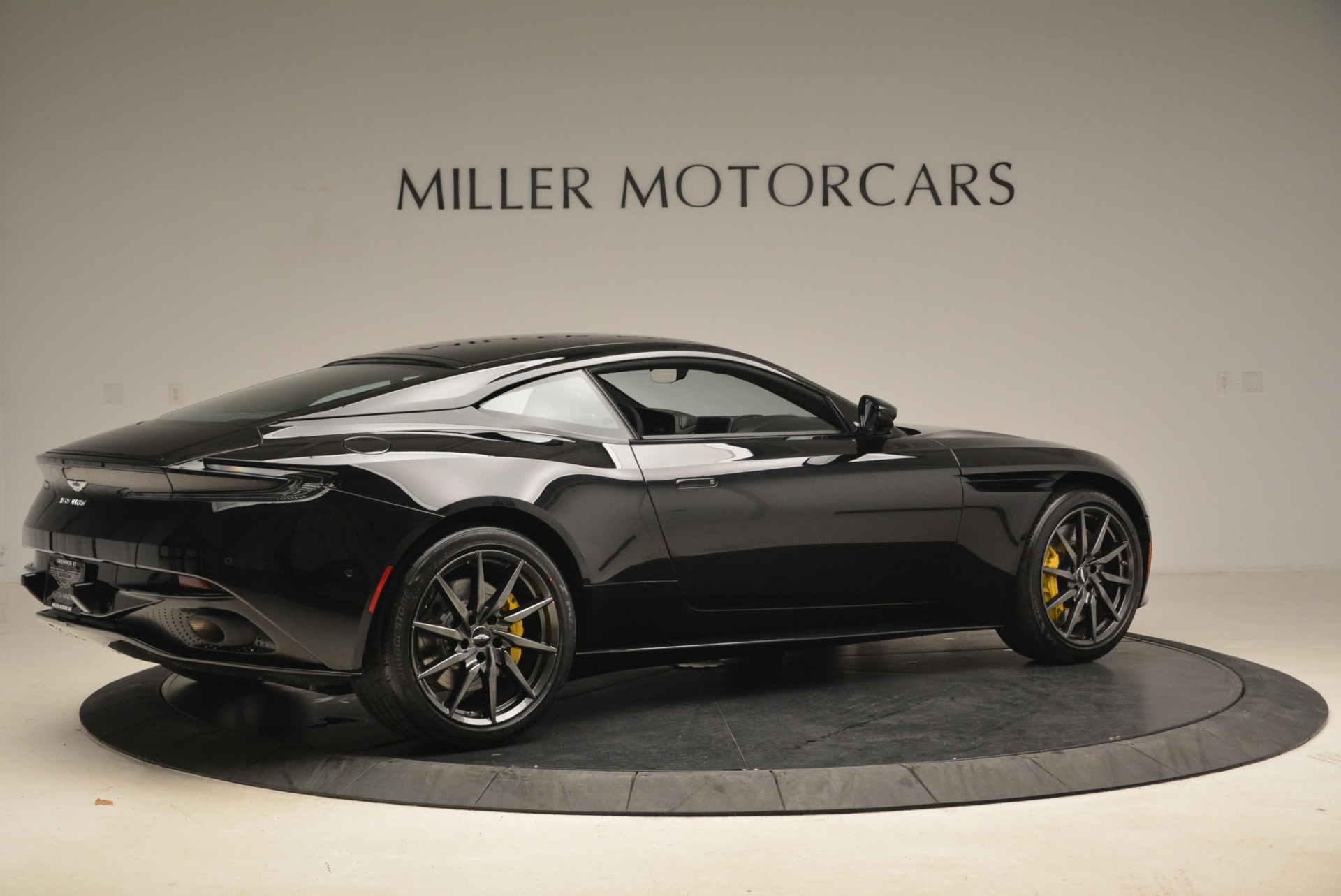 New 2018 Aston Martin DB11 V8 Coupe For Sale In Westport, CT 2237_p8