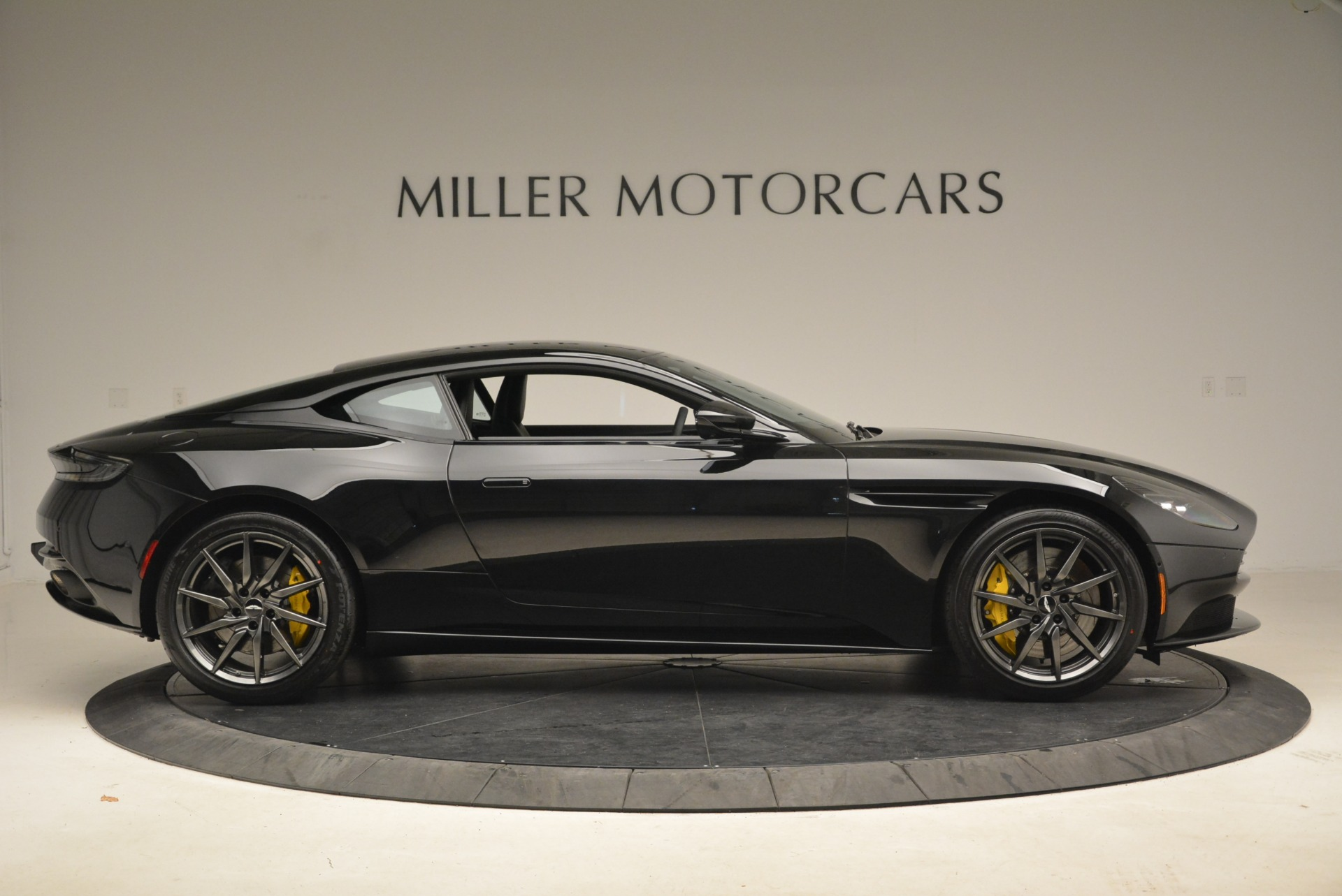 New 2018 Aston Martin DB11 V8 Coupe For Sale In Westport, CT 2237_p9