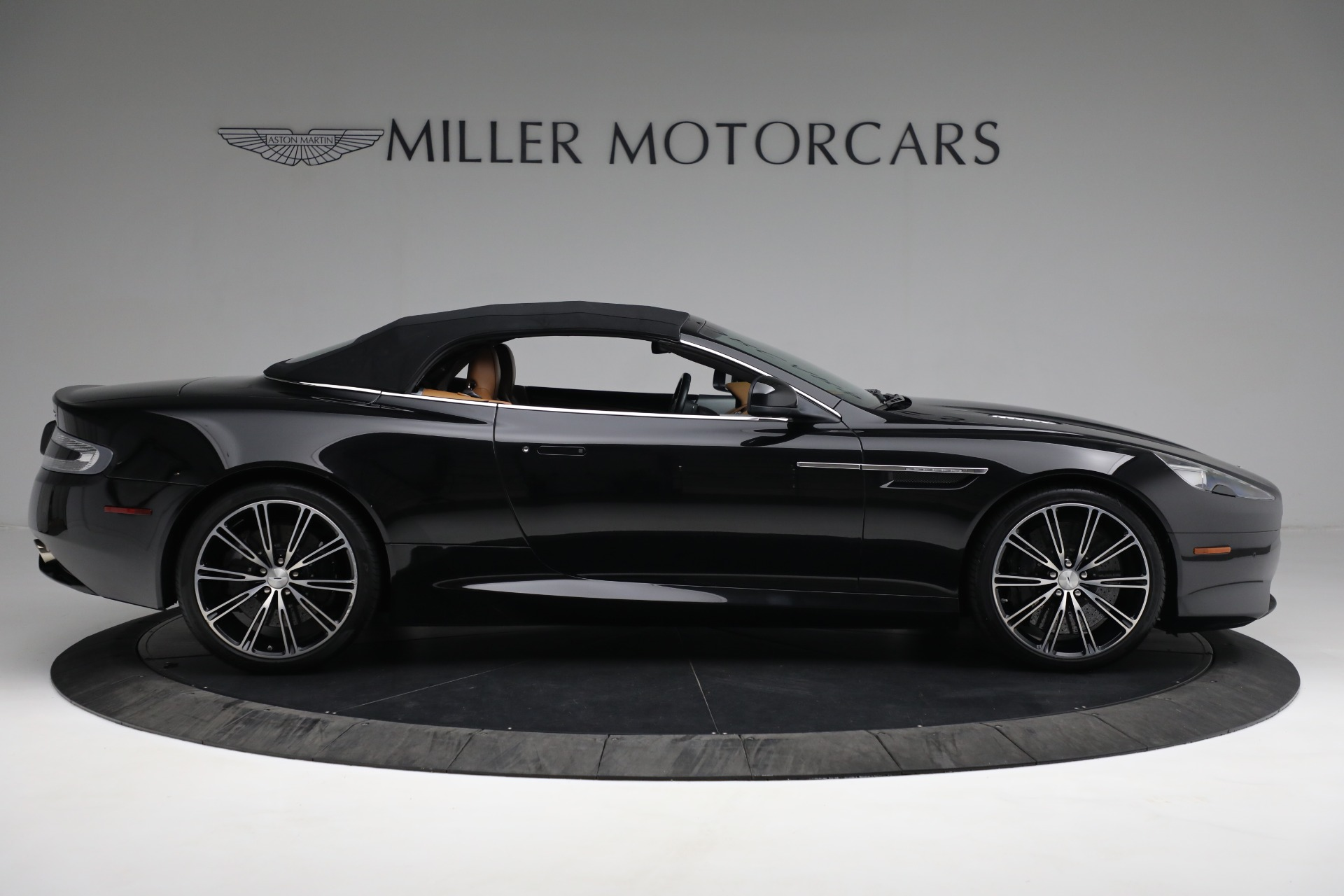 Used 2012 Aston Martin Virage Volante For Sale In Westport, CT 2244_p22