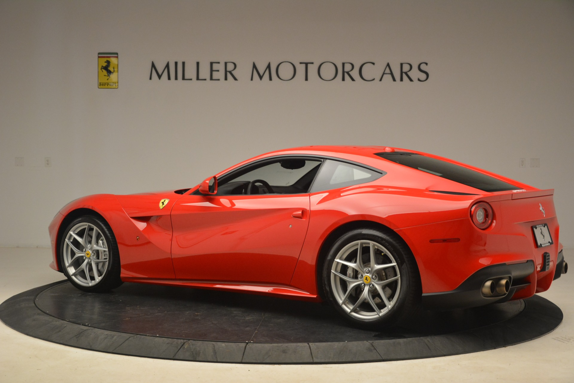Used 2014 Ferrari F12 Berlinetta  For Sale In Westport, CT 2256_p4