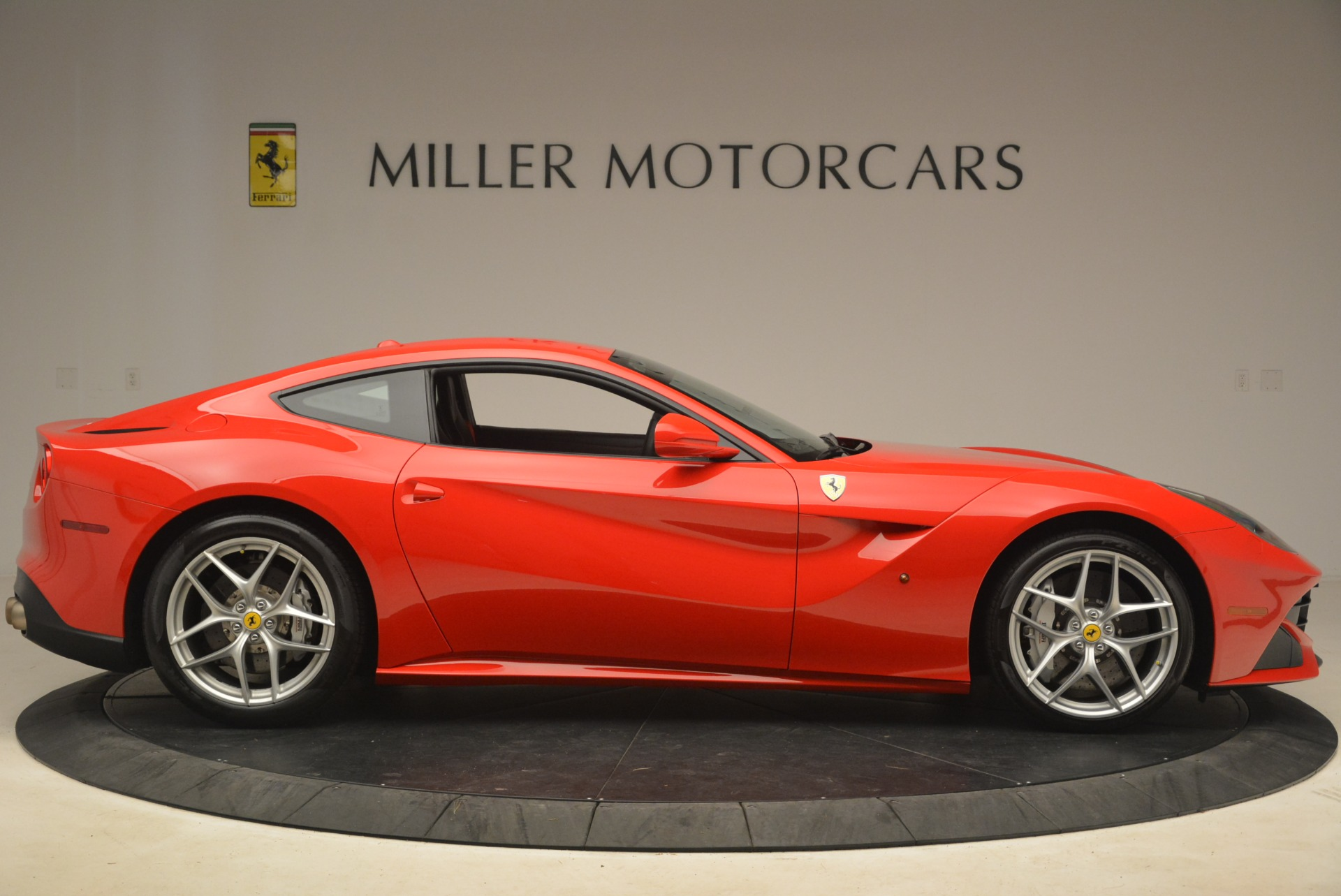 Used 2014 Ferrari F12 Berlinetta  For Sale In Westport, CT 2256_p9