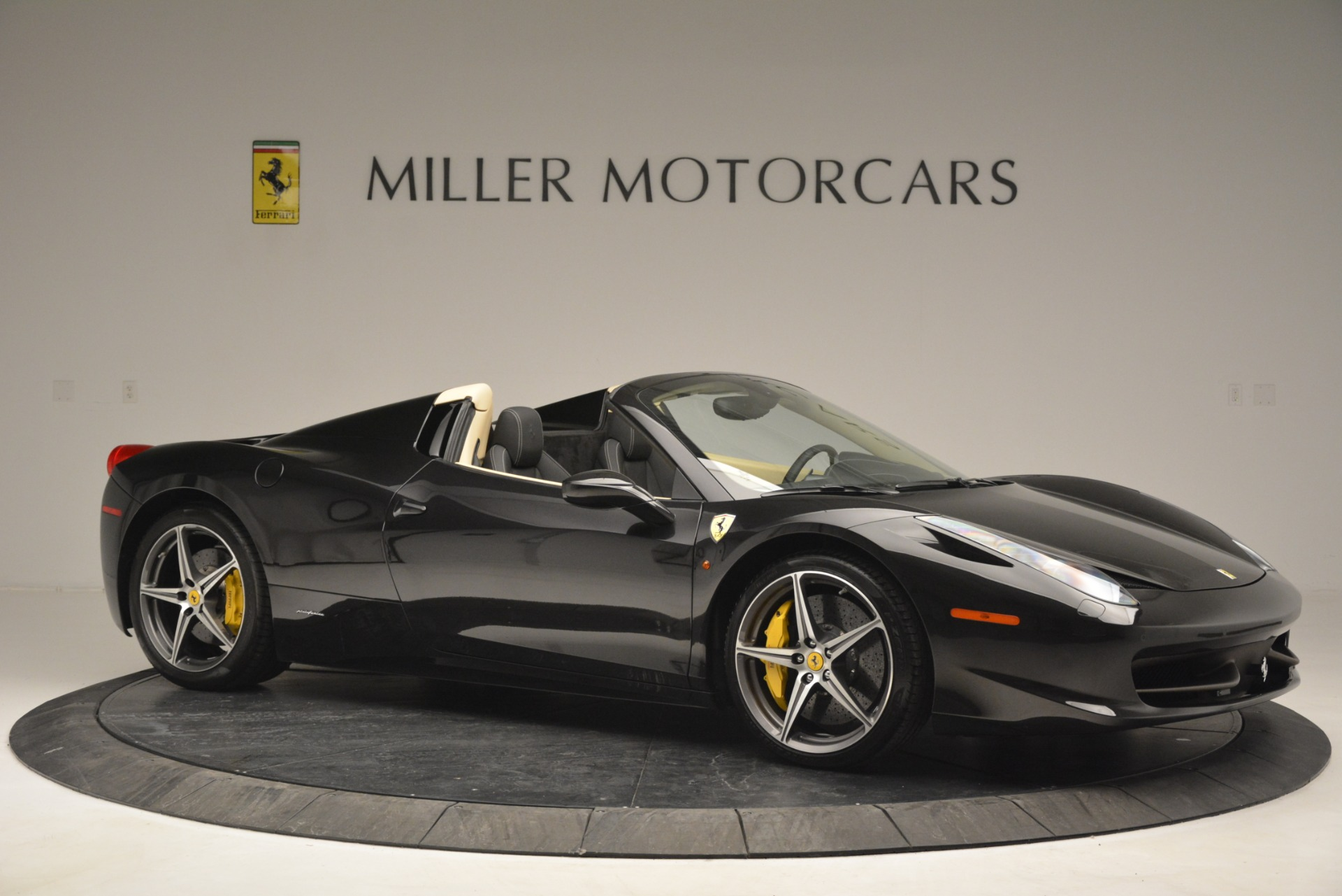 Used 2014 Ferrari 458 Spider  For Sale In Westport, CT 2258_p10