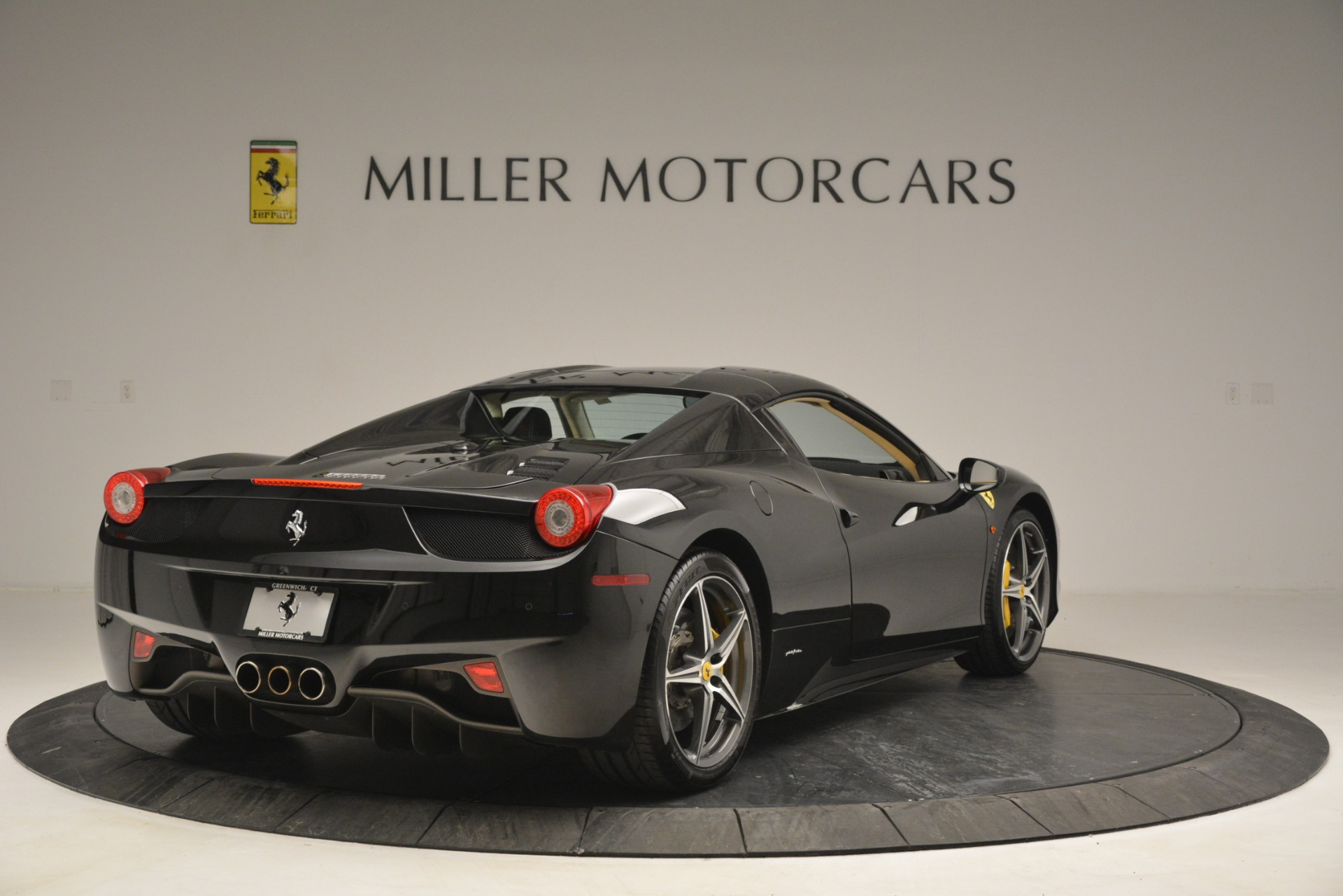 Used 2014 Ferrari 458 Spider  For Sale In Westport, CT 2258_p19