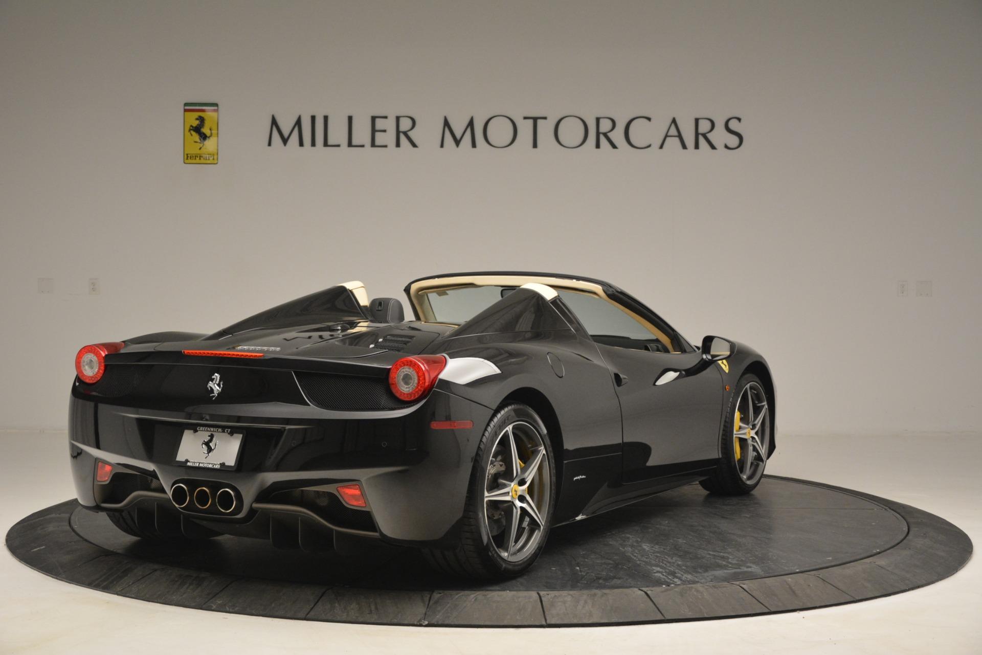 Used 2014 Ferrari 458 Spider  For Sale In Westport, CT 2258_p7