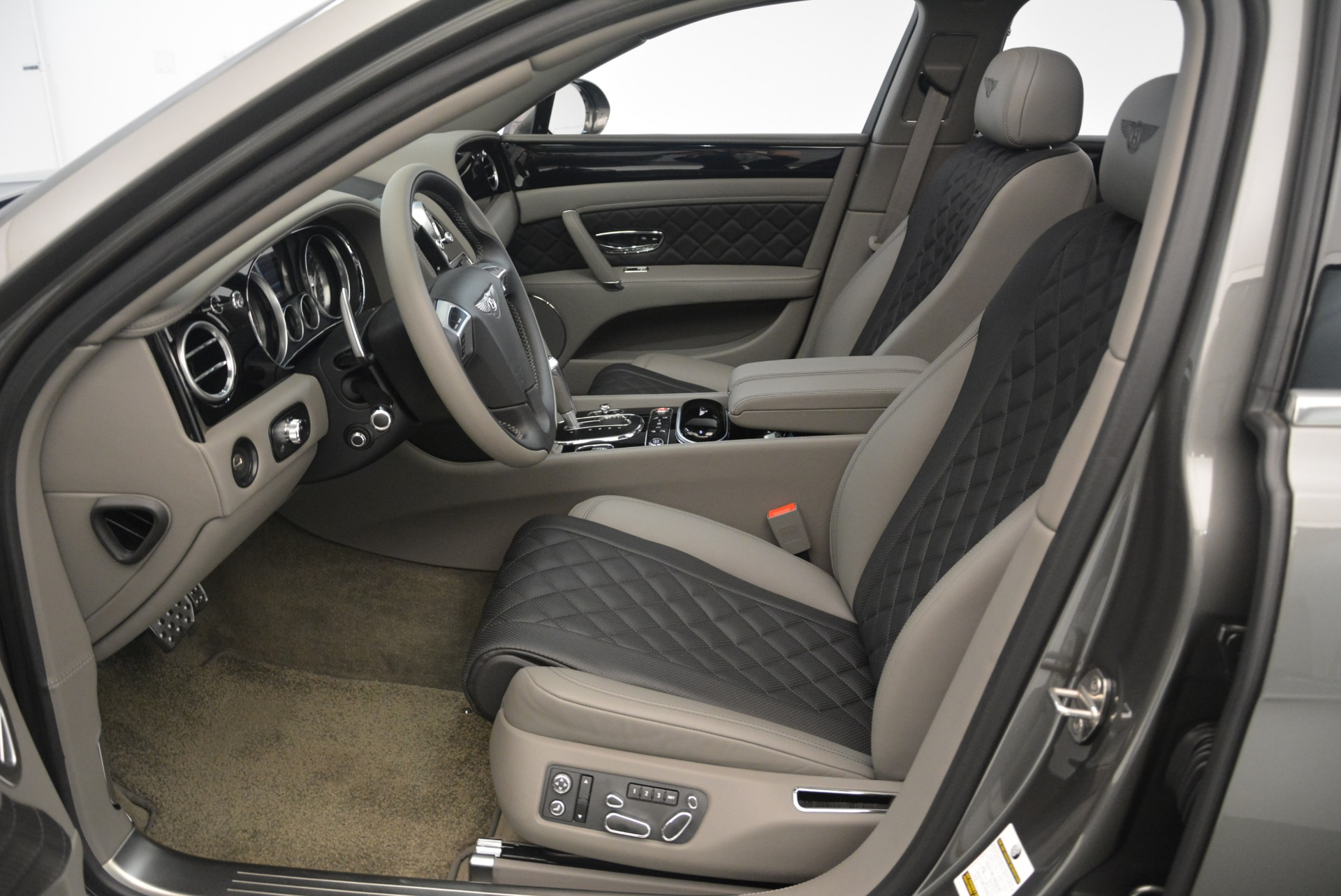 Used 2017 Bentley Flying Spur V8 S For Sale In Westport, CT 2263_p19