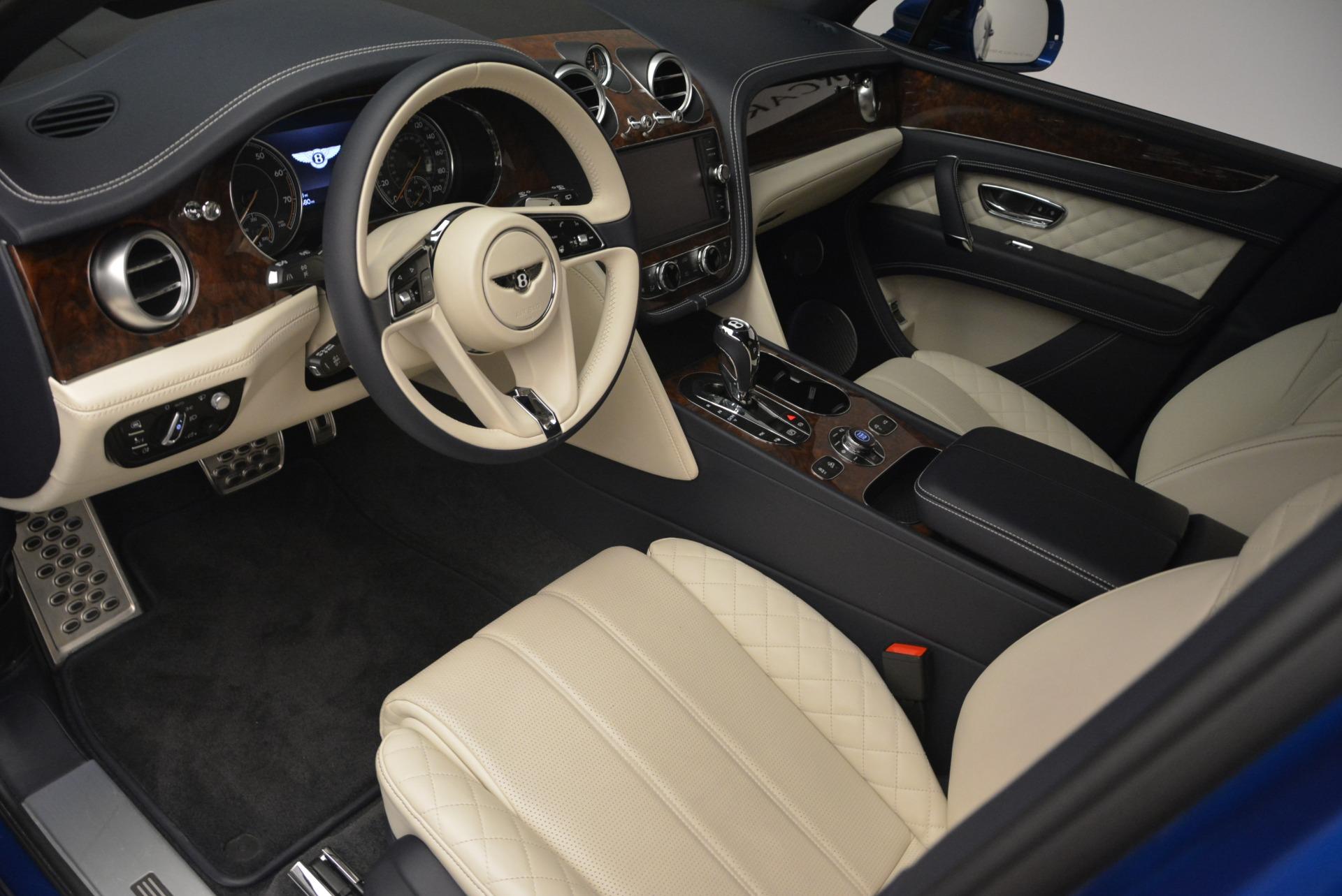 Used 2018 Bentley Bentayga W12 Signature For Sale In Westport, CT 2265_p16