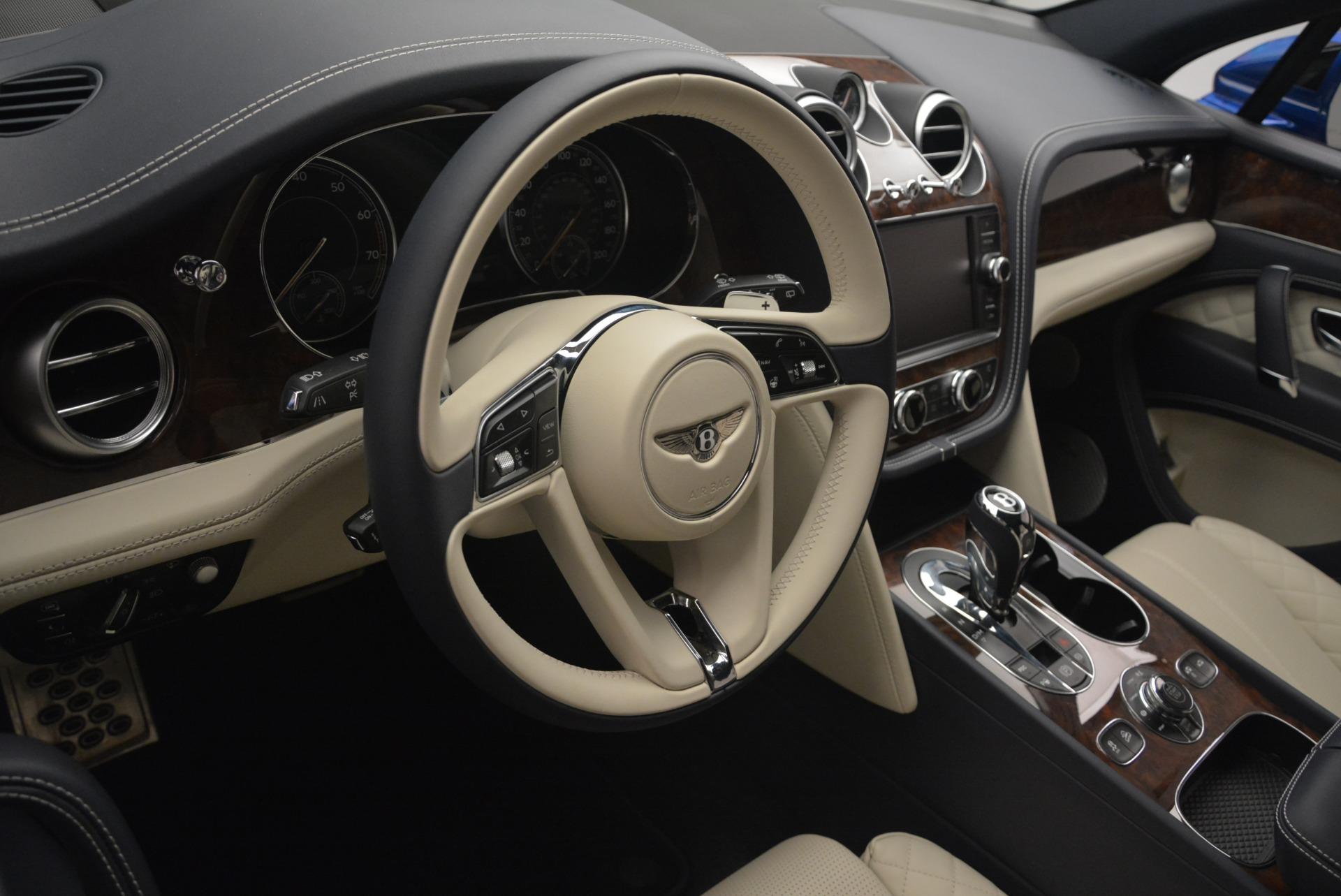 Used 2018 Bentley Bentayga W12 Signature For Sale In Westport, CT 2265_p28