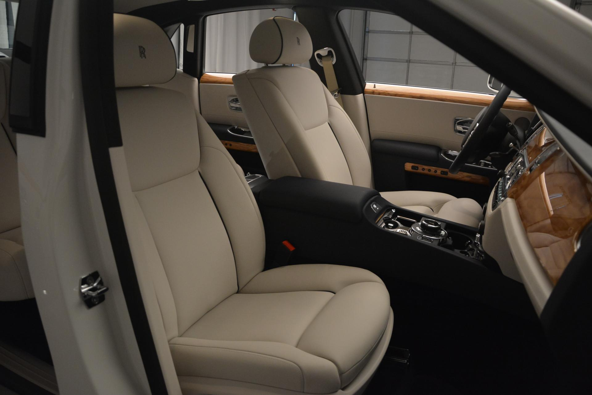 Used 2016 Rolls-Royce Ghost Series II  For Sale In Westport, CT 227_p24