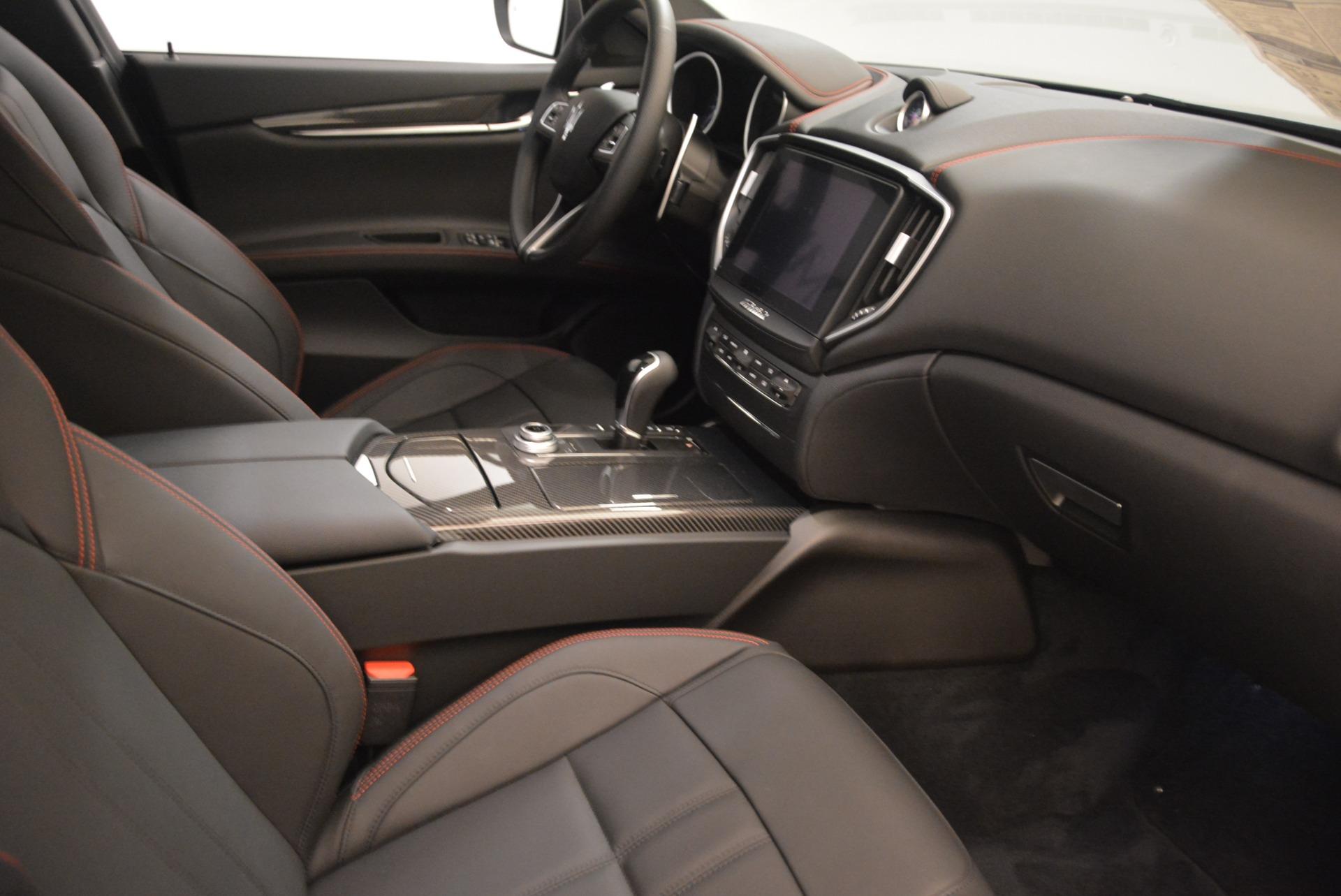 New 2018 Maserati Ghibli SQ4 GranSport Nerissimo For Sale In Westport, CT 2278_p16