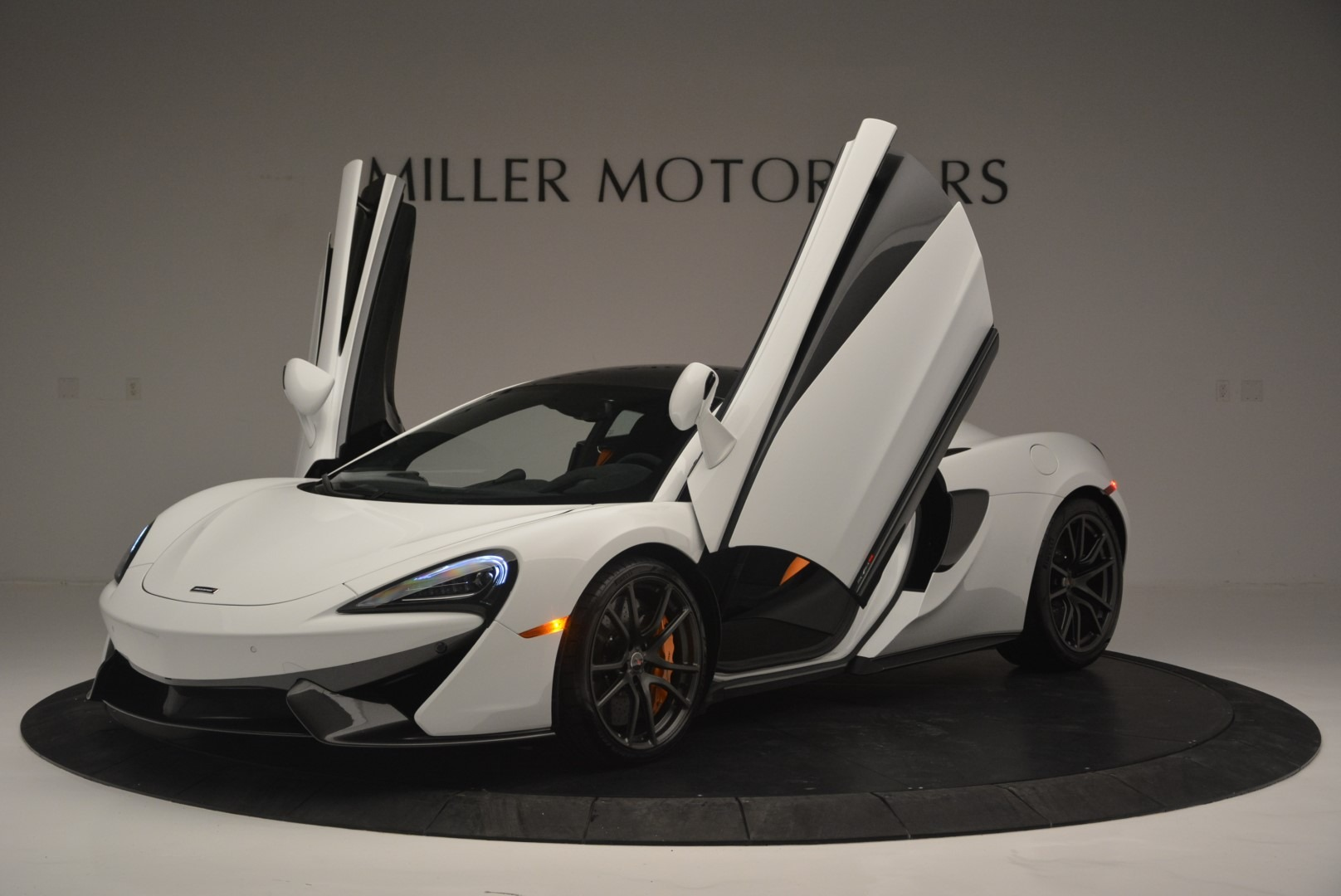 Used 2018 McLaren 570S Track Pack For Sale In Westport, CT 2290_p14