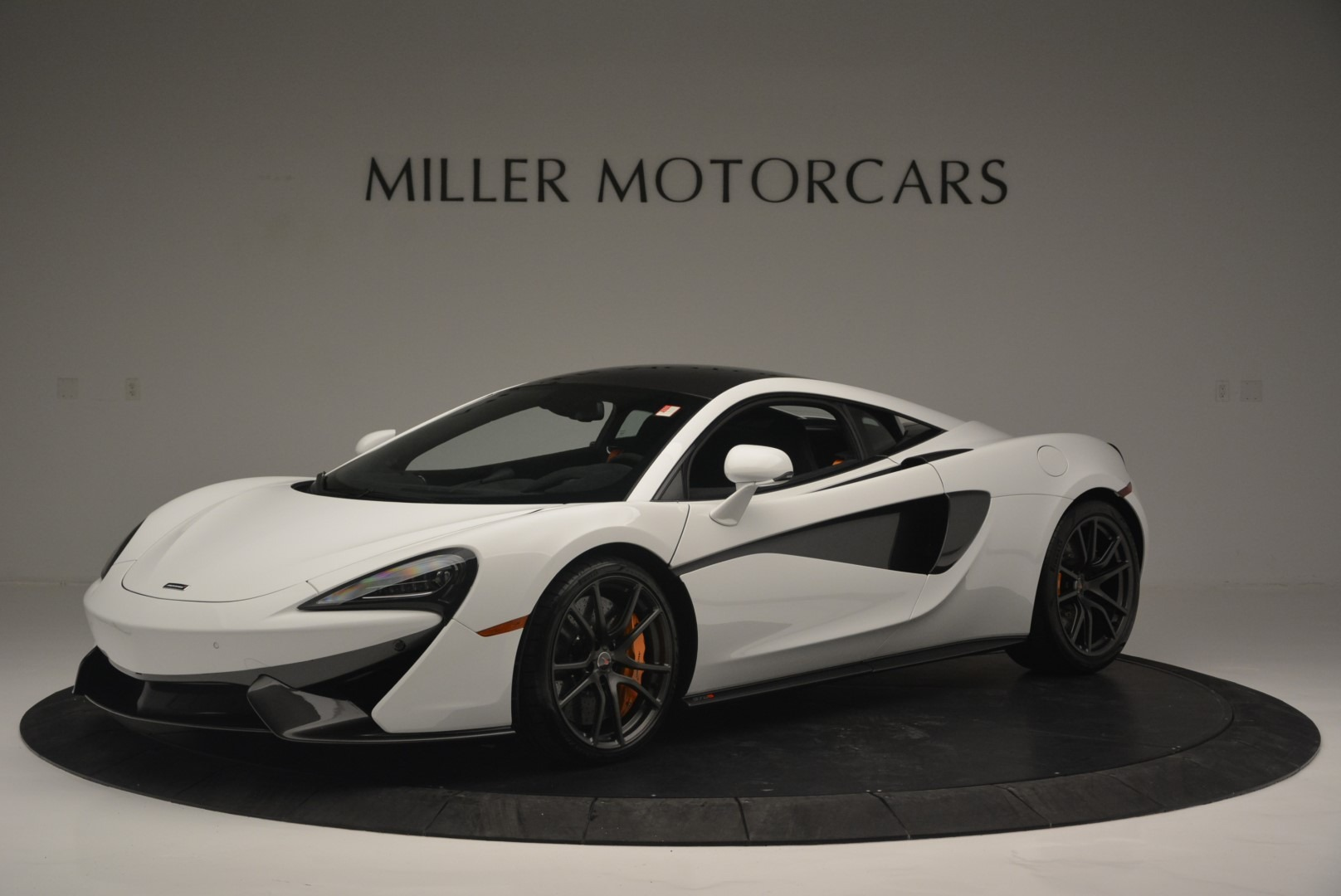 Used 2018 McLaren 570S Track Pack For Sale In Westport, CT 2290_p2