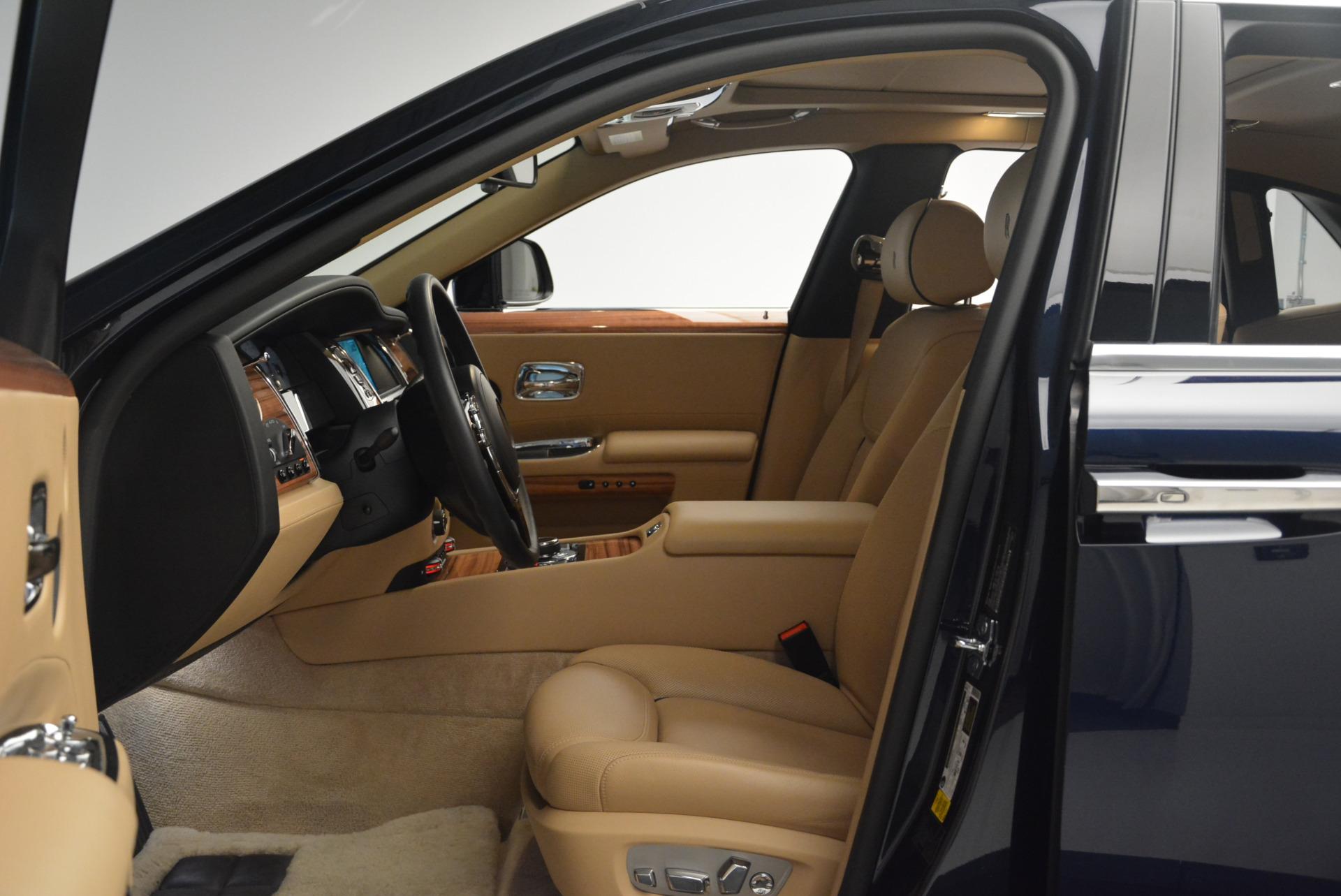 Used 2015 Rolls-Royce Ghost  For Sale In Westport, CT 2297_p23