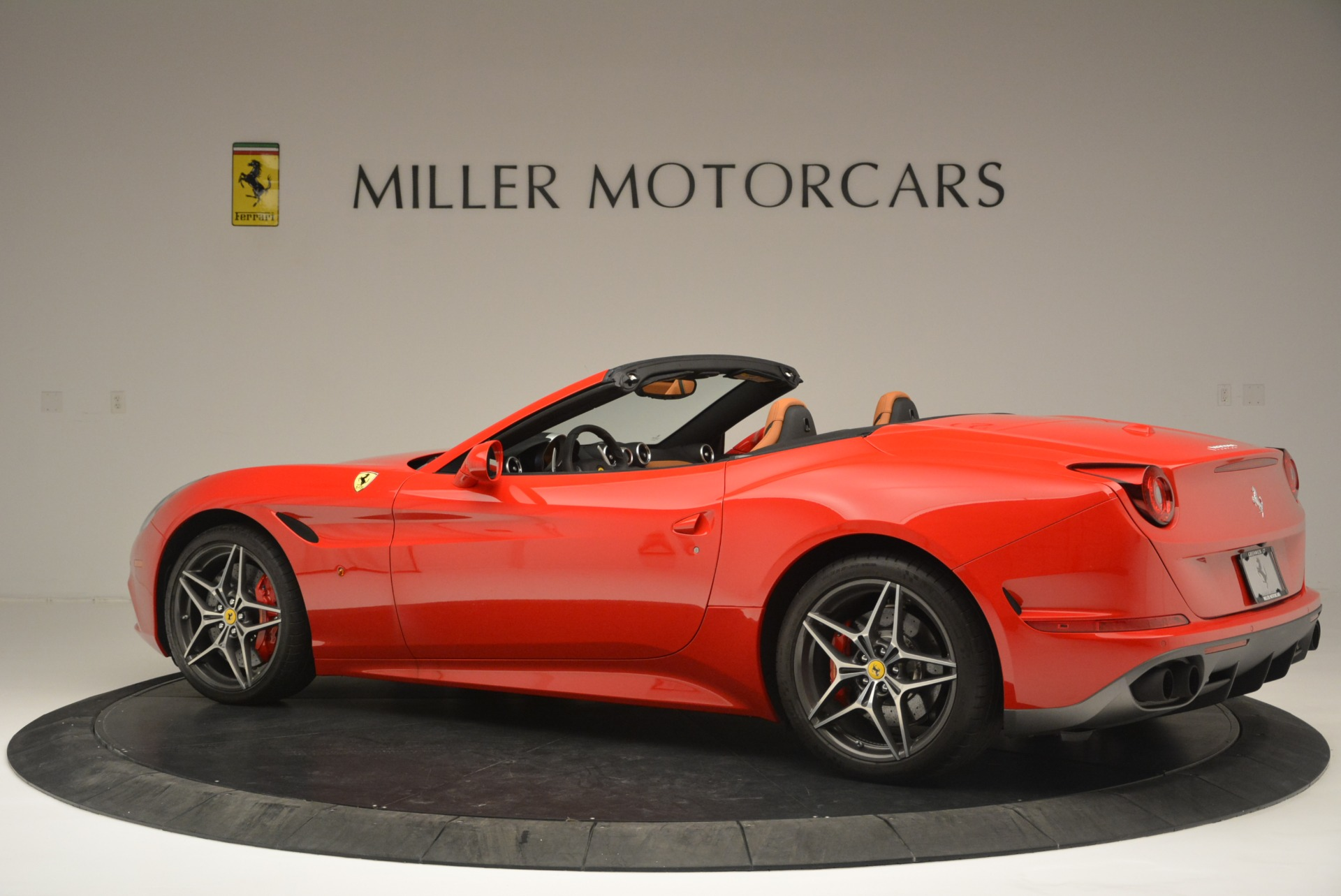 Used 2016 Ferrari California T Handling Speciale For Sale In Westport, CT 2298_p4