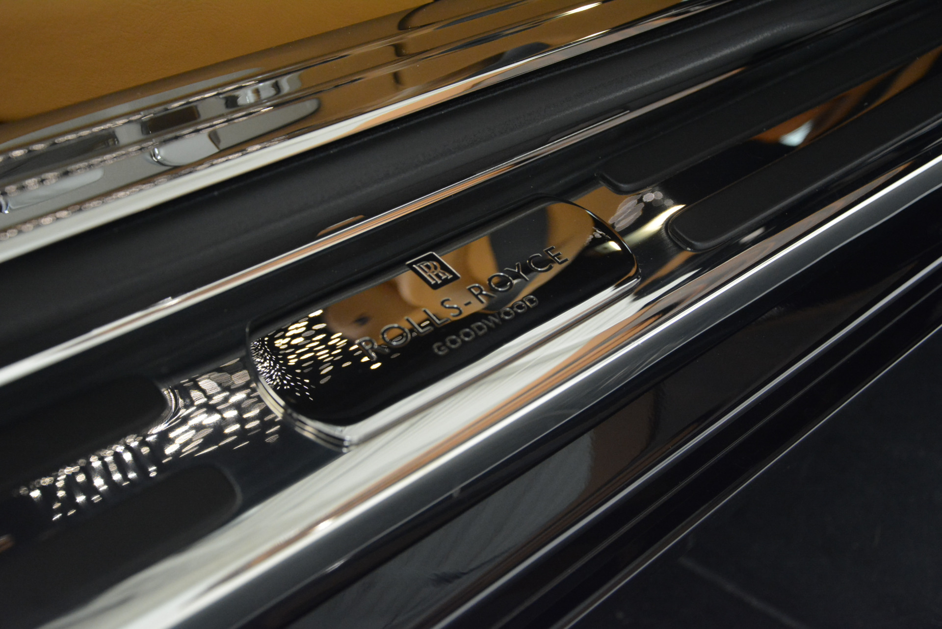 Used 2014 Rolls-Royce Wraith  For Sale In Westport, CT 2305_p17