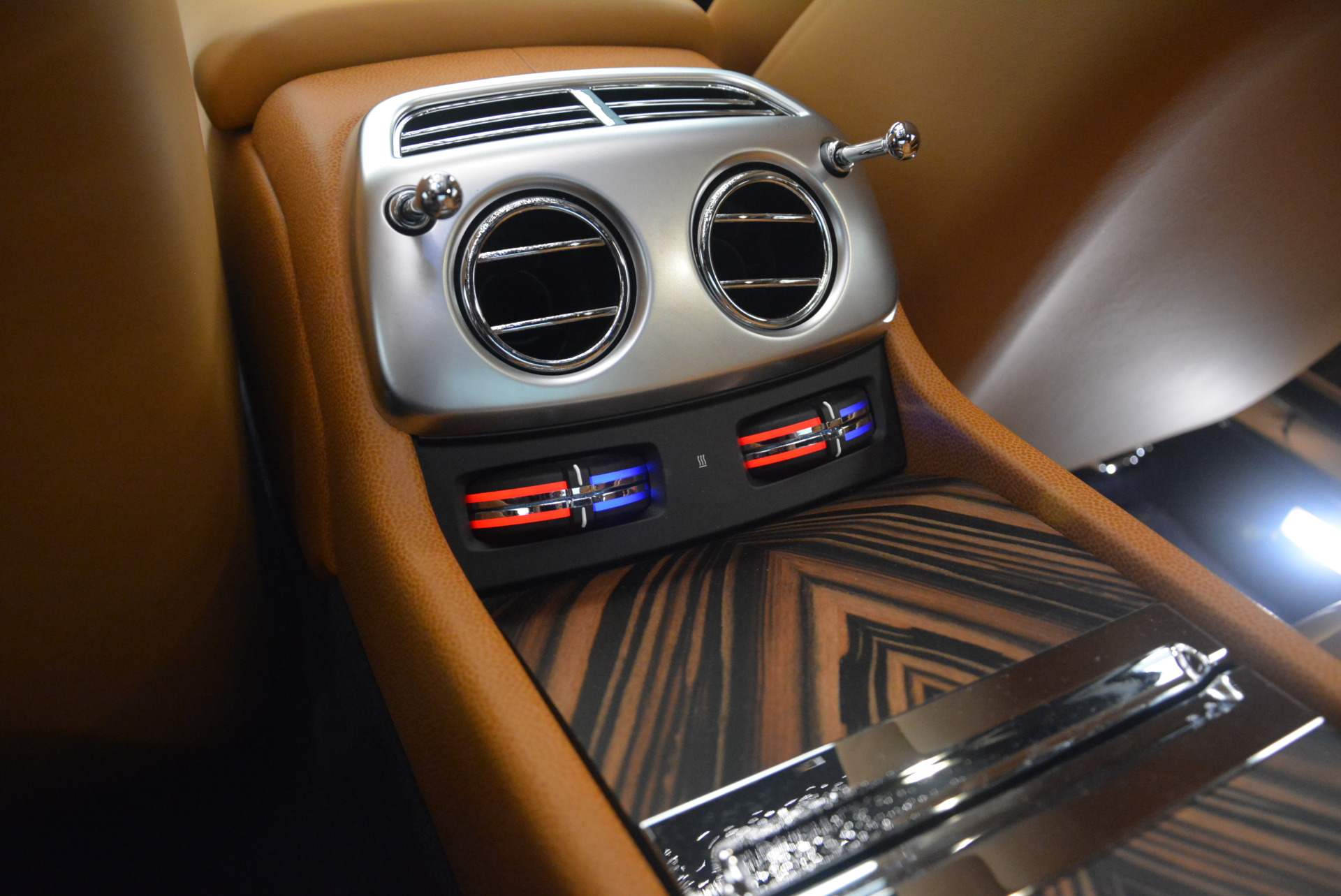 Used 2014 Rolls-Royce Wraith  For Sale In Westport, CT 2305_p26