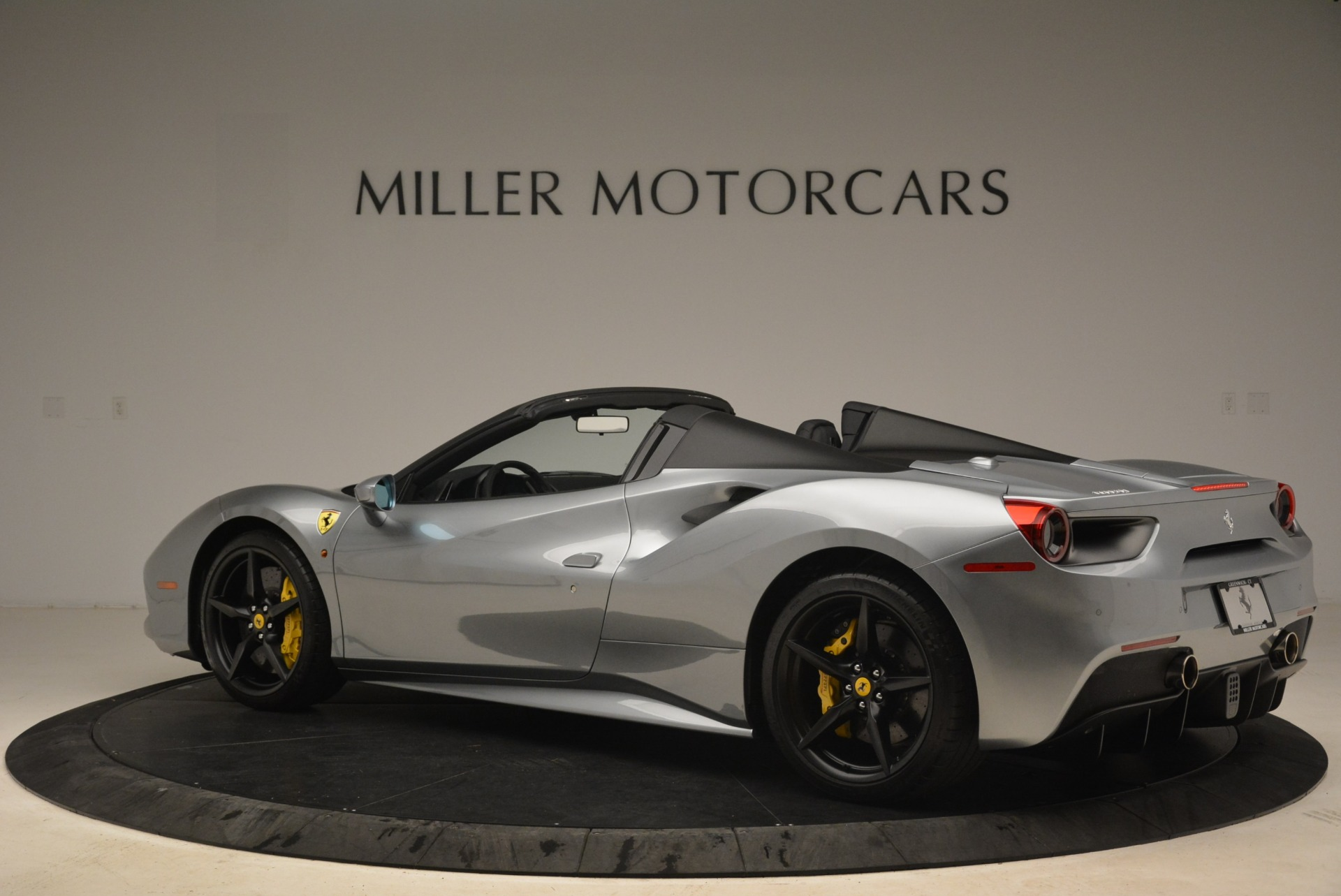 Used 2018 Ferrari 488 Spider  For Sale In Westport, CT 2306_p4