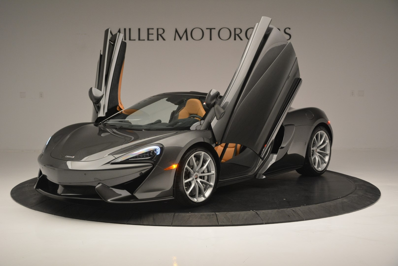 Used 2018 McLaren 570S Spider For Sale In Westport, CT 2308_p14