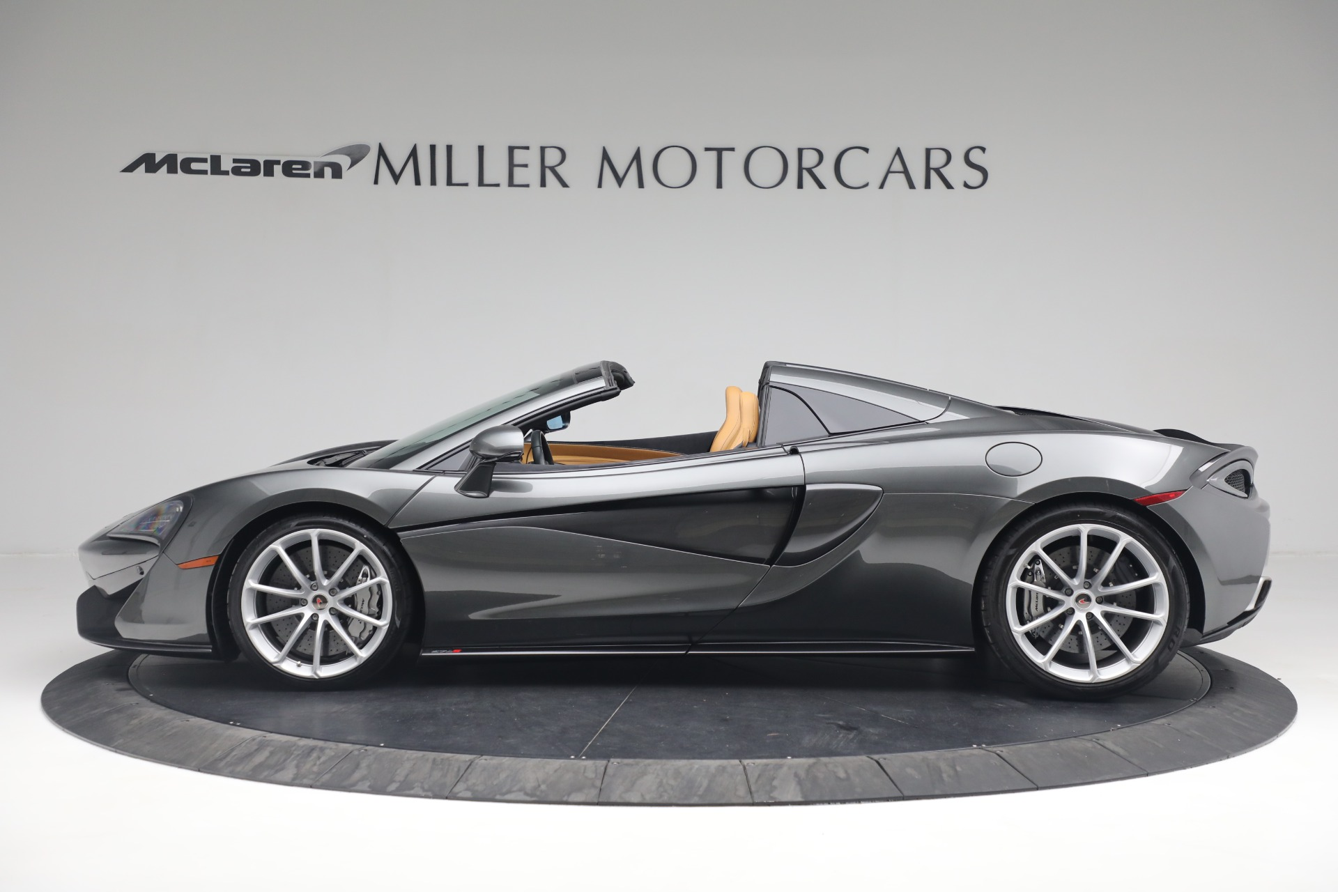 Used 2018 McLaren 570S Spider For Sale In Westport, CT 2308_p3