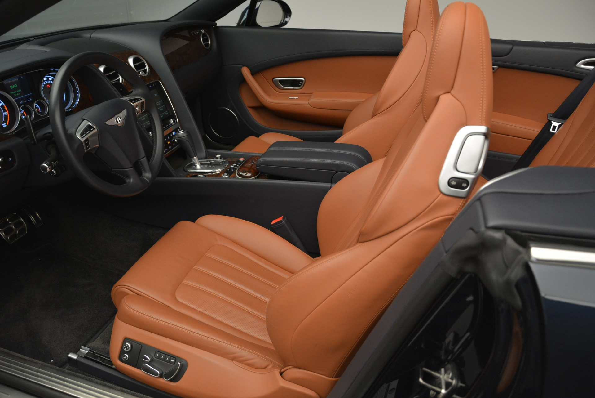 Used 2015 Bentley Continental GT V8 For Sale In Westport, CT 2310_p21