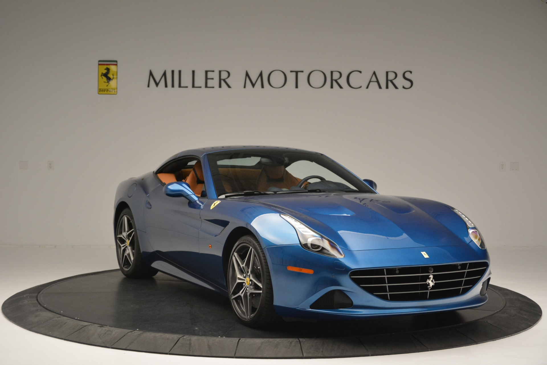 Used 2017 Ferrari California T Handling Speciale For Sale In Westport, CT 2313_p23