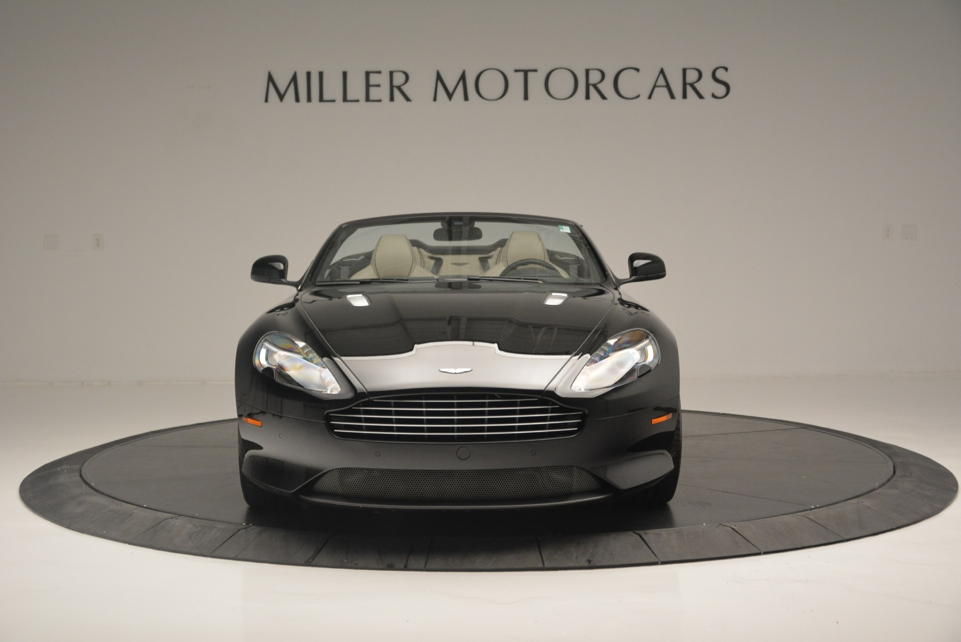 Used 2015 Aston Martin DB9 Volante For Sale In Westport, CT 2318_p12