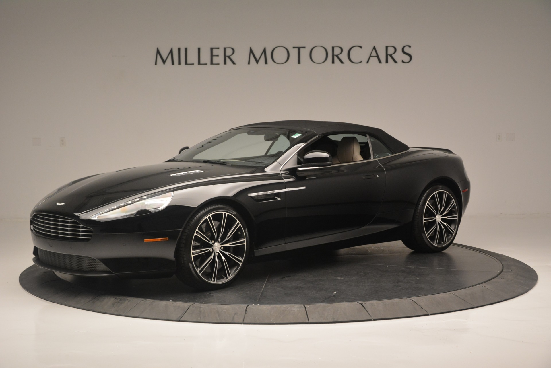 Used 2015 Aston Martin DB9 Volante For Sale In Westport, CT 2318_p14