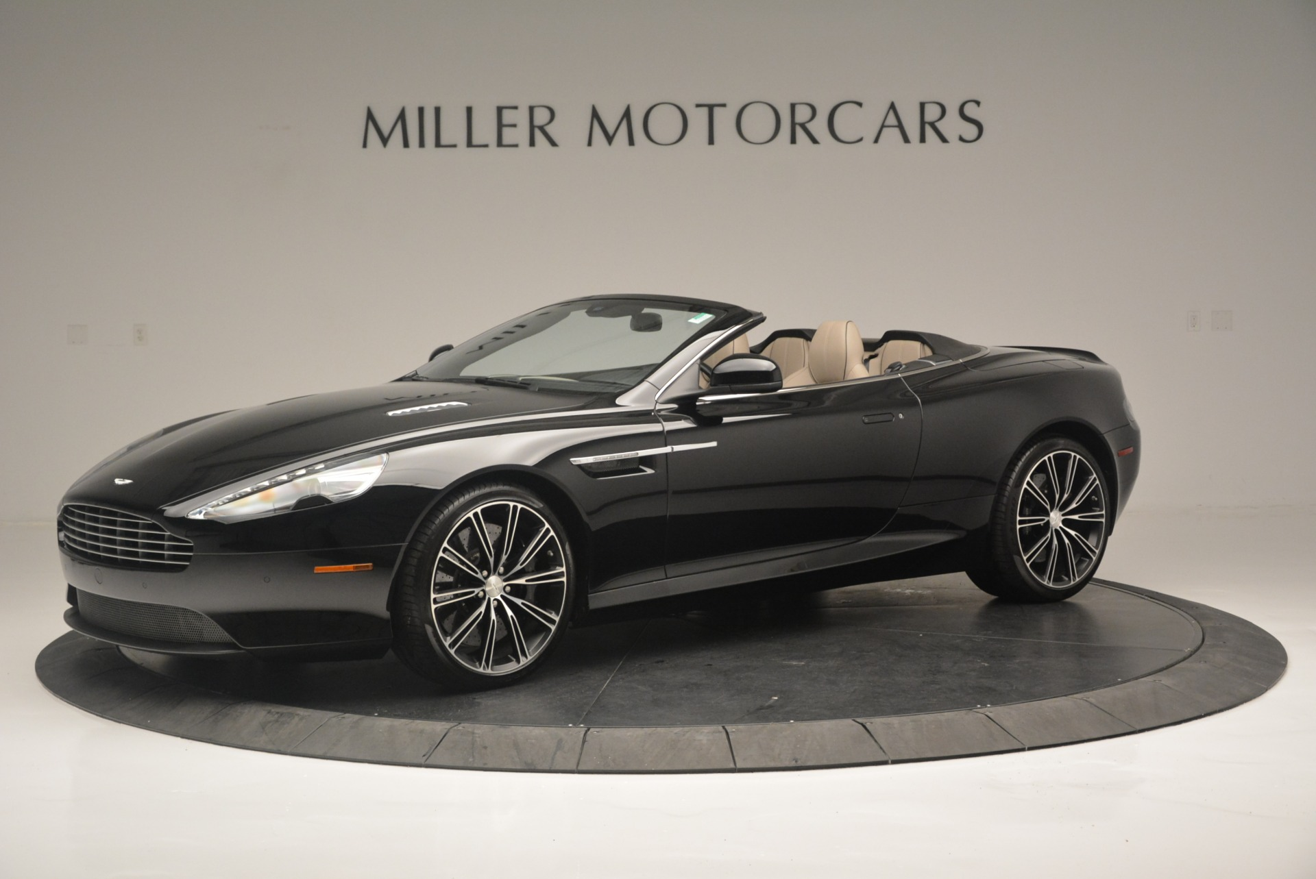 Used 2015 Aston Martin DB9 Volante For Sale In Westport, CT 2318_p2