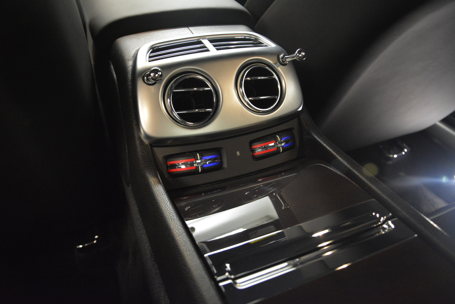 Used 2015 Rolls-Royce Wraith  For Sale In Westport, CT 2335_p19
