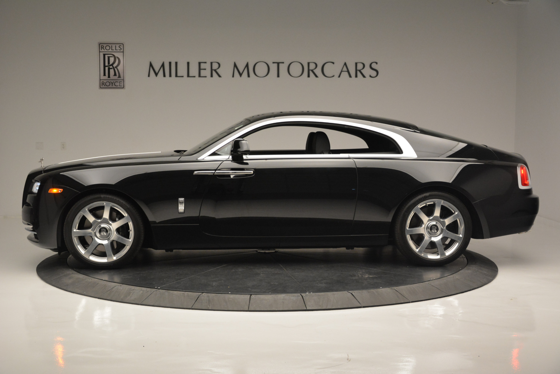 Used 2015 Rolls-Royce Wraith  For Sale In Westport, CT 2335_p2