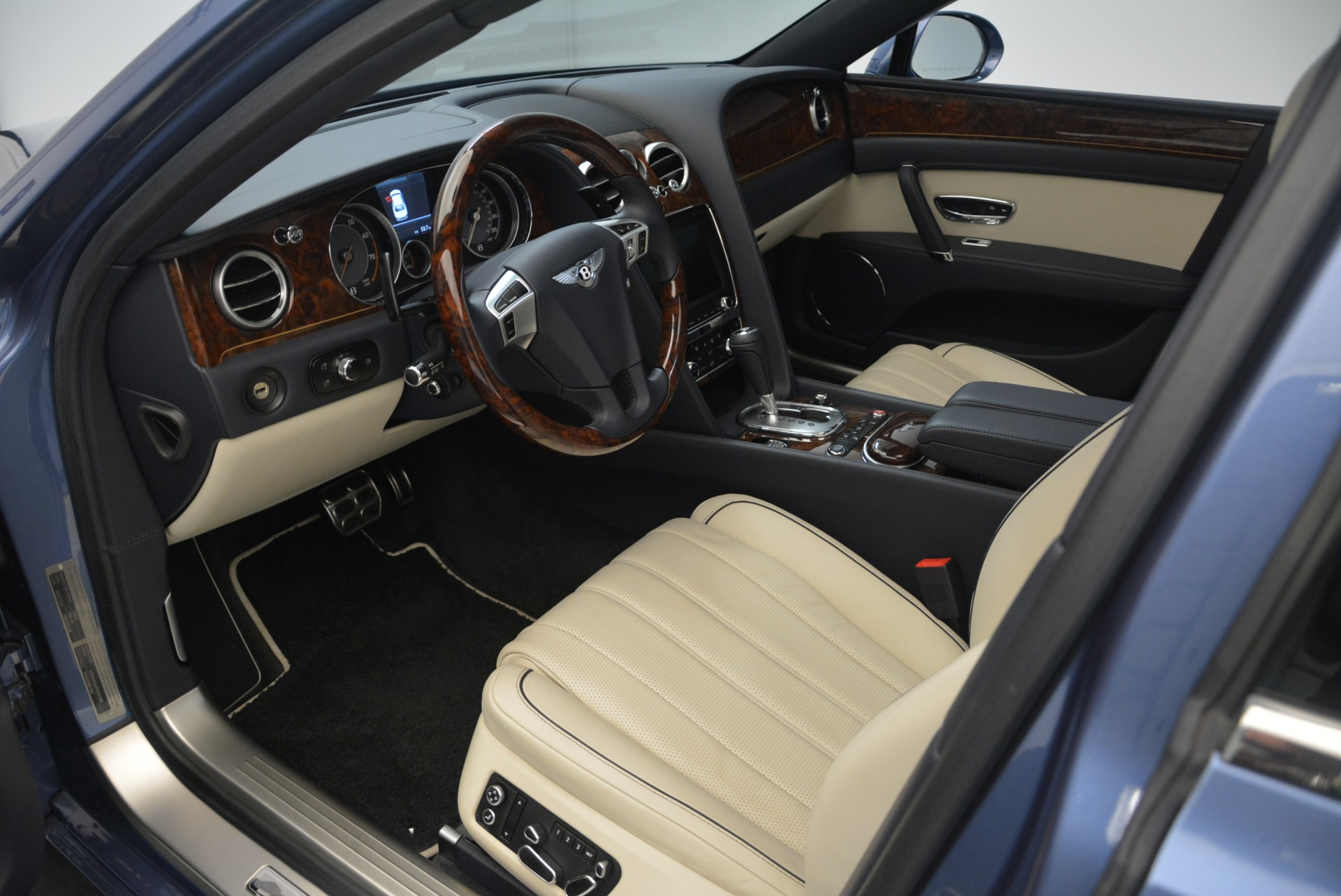 Used 2015 Bentley Flying Spur W12 For Sale In Westport, CT 2339_p19