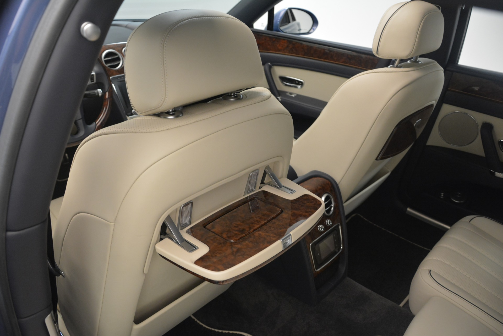 Used 2015 Bentley Flying Spur W12 For Sale In Westport, CT 2339_p27