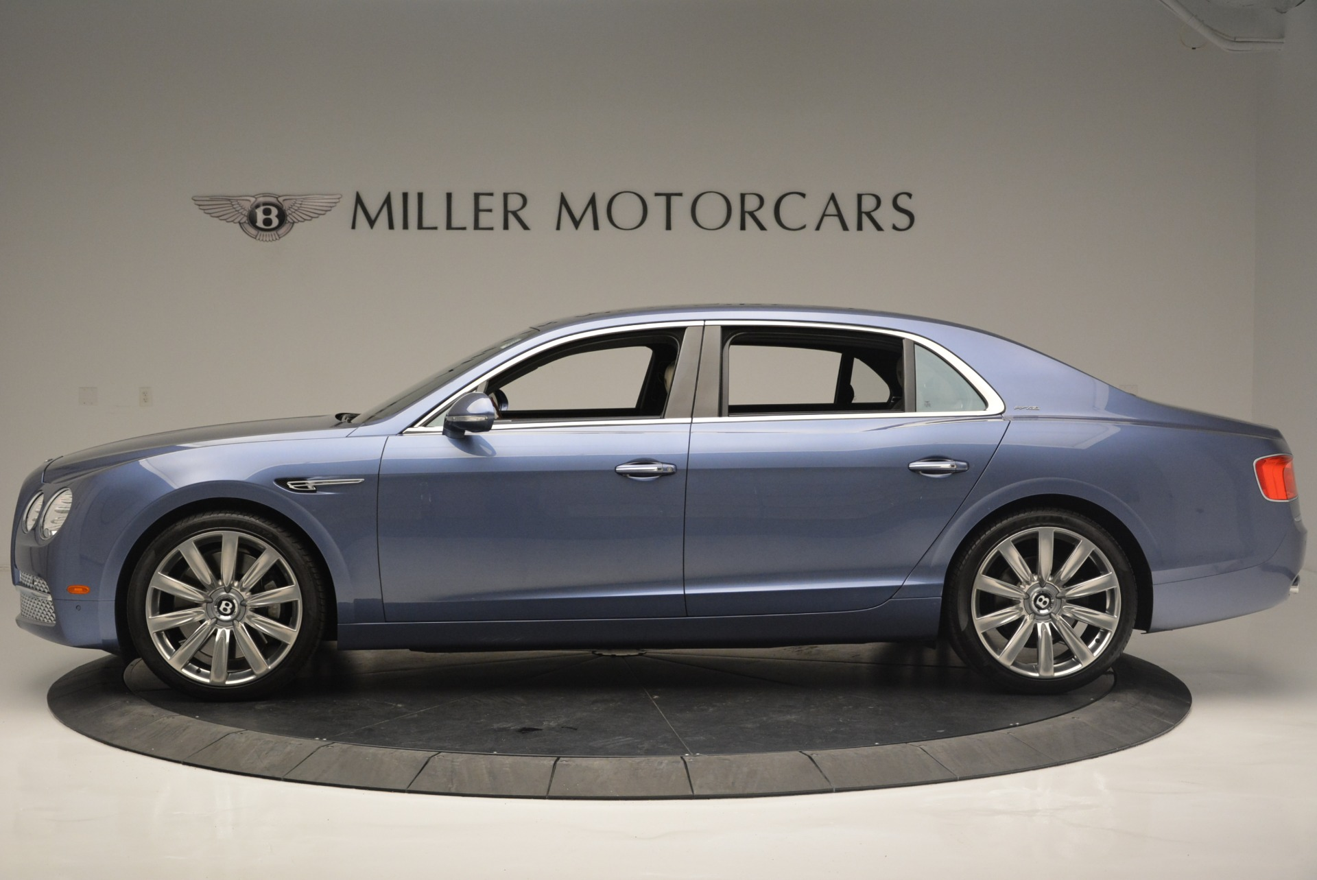 Used 2015 Bentley Flying Spur W12 For Sale In Westport, CT 2339_p3