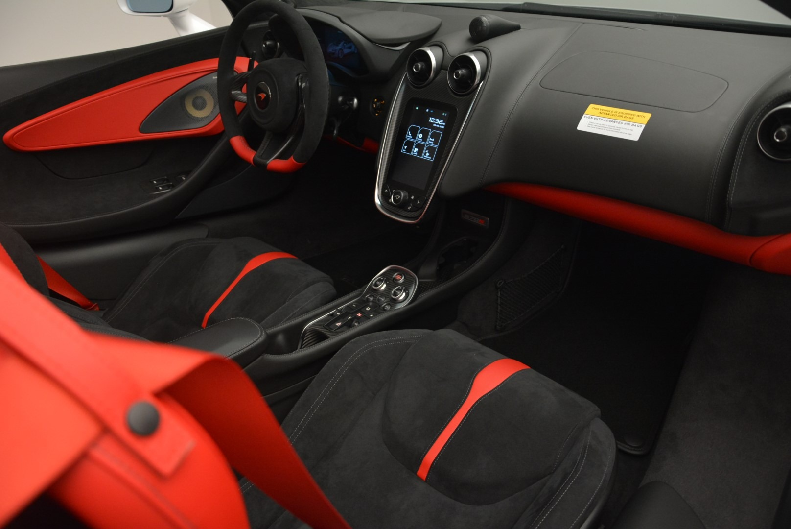 Used 2018 McLaren 570S Spider For Sale In Westport, CT 2341_p25